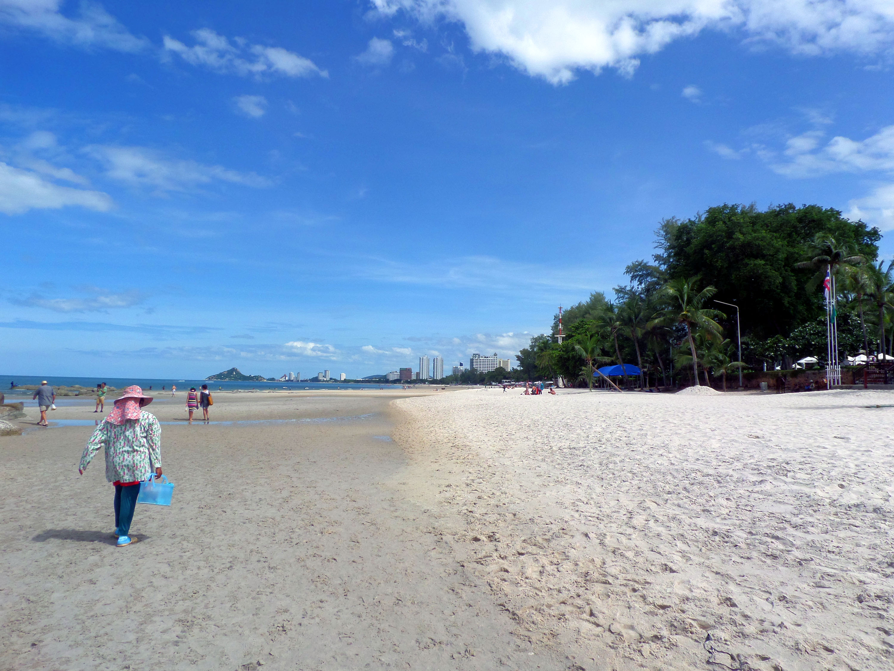Empty beach at hua hin photo