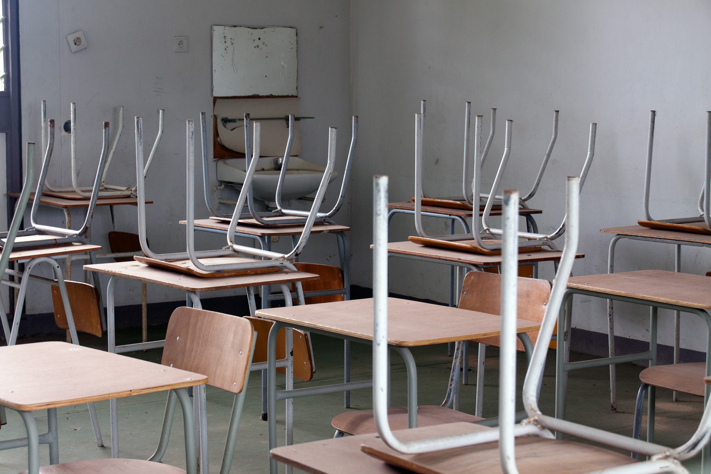 Empty classroom, Abandoned, Wall, Vertical, Training, HQ Photo