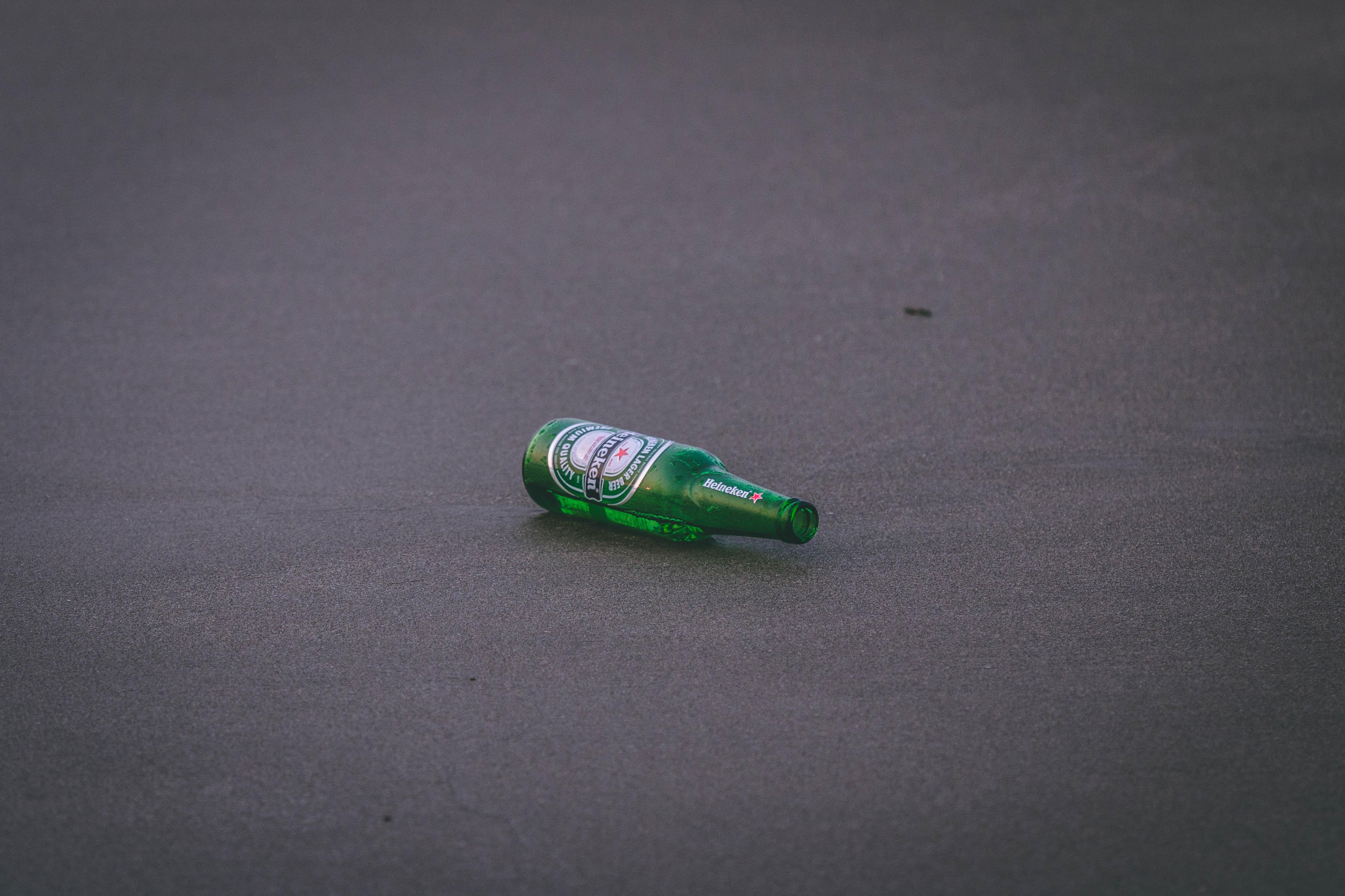 Empty Heineken Bottle on Ground, Alcohol, Ground, Street, Still life, HQ Photo