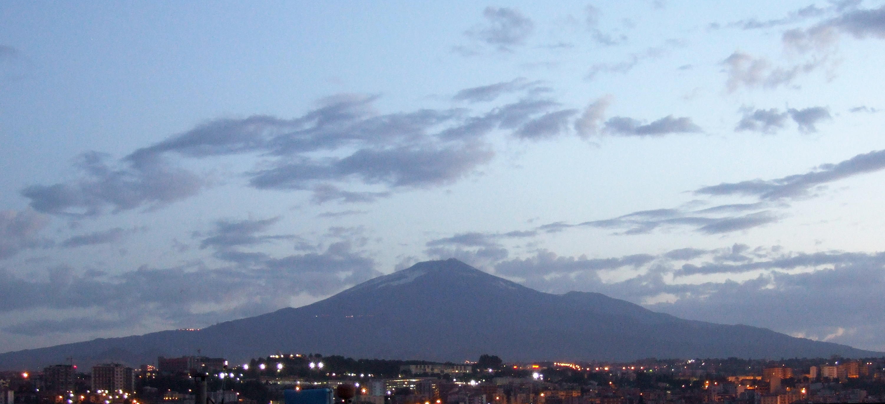 Etna at Dawn Catania-Italy - Creative Commons by gnuckx, Bebo, Picture, Metacafe, Mountain, HQ Photo