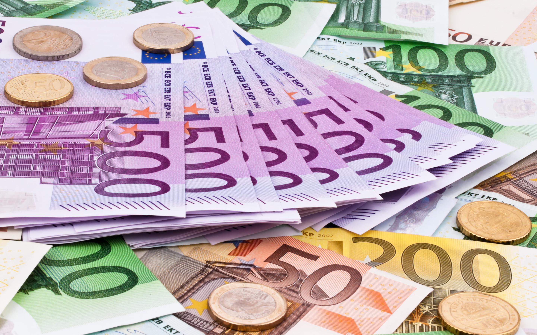 Kazakhs increasingly buying more euros - The Astana Times