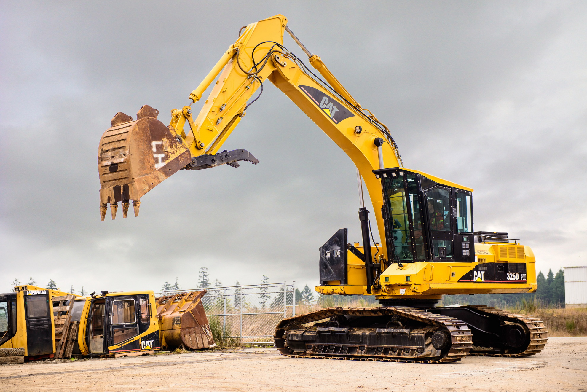 Excavator Arms | Hitachi, John Deere and Caterpillar | V.I Equipment