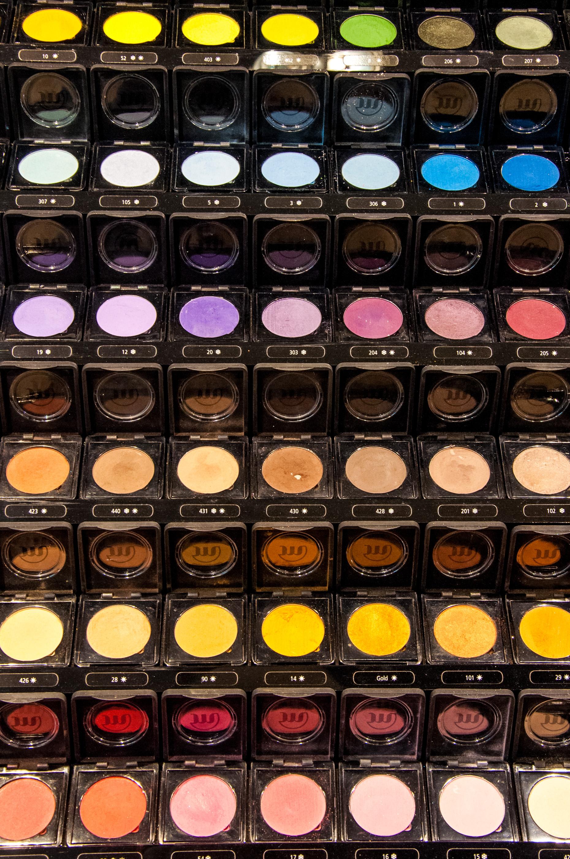 Eye make up cosmetics  display, Above, Pampering, Makeup, Mirror, HQ Photo