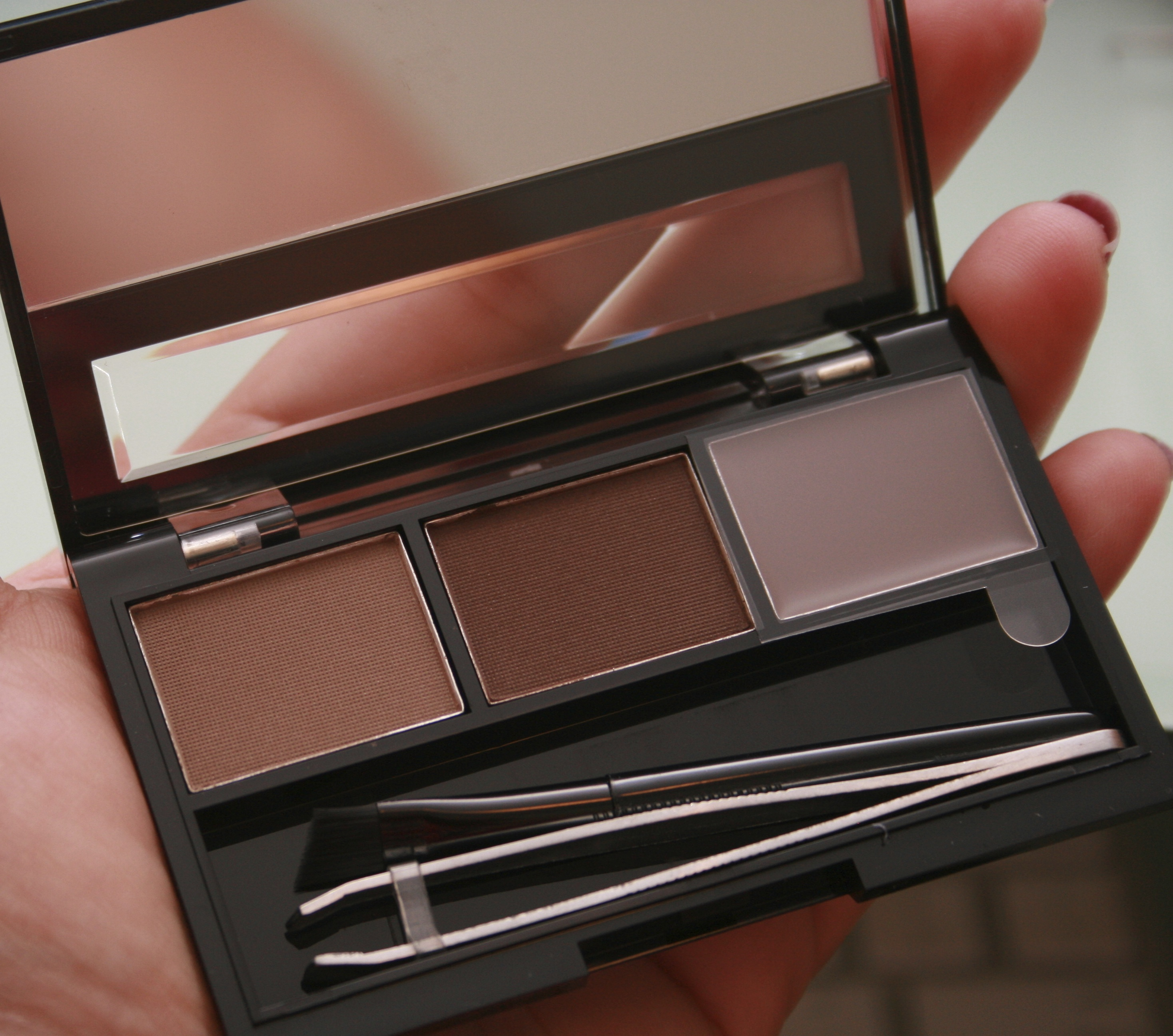 Cheap Tuesday Review: Face of Australia Eyebrow Kit | Makeup By Shalini