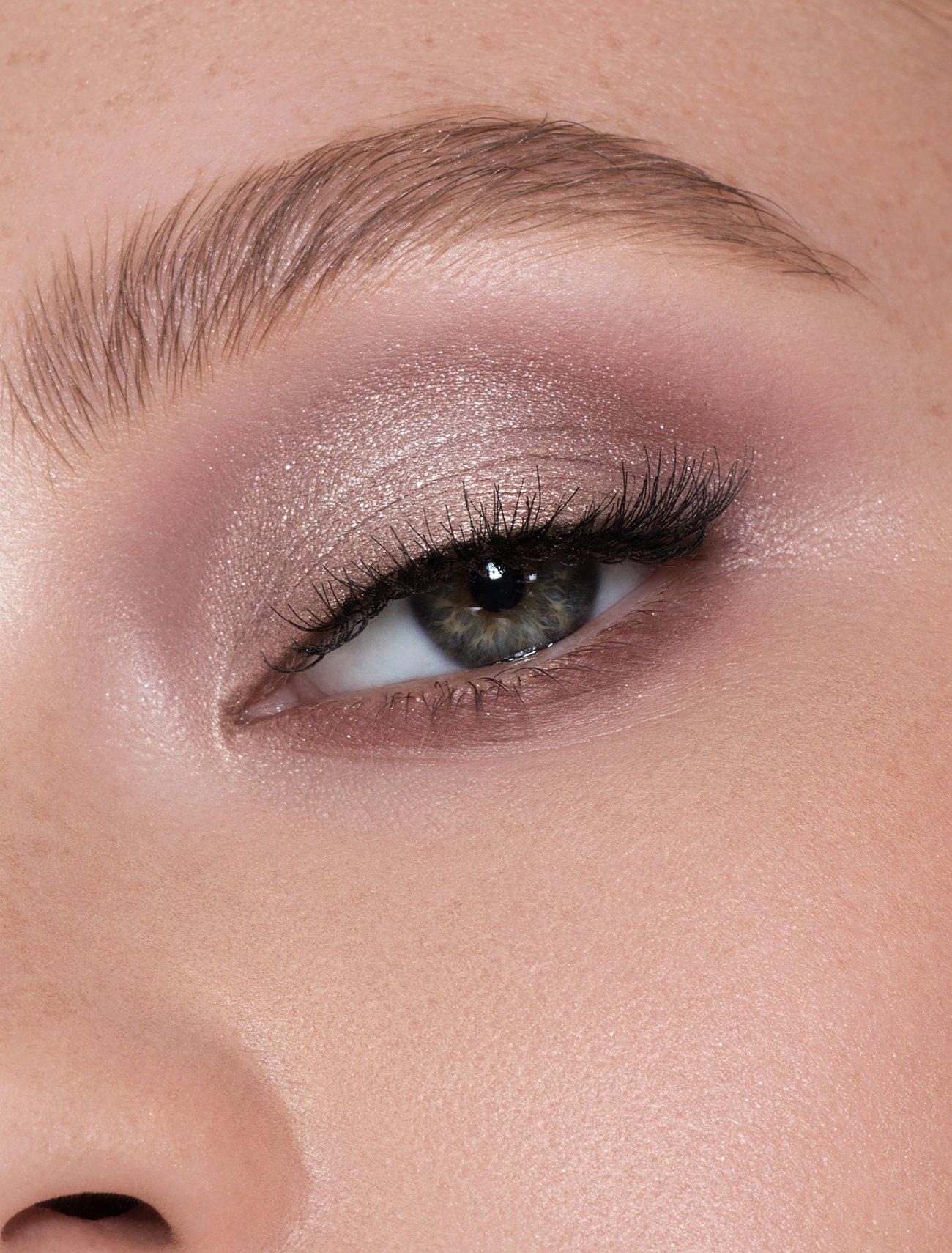 Eyeshadow photo