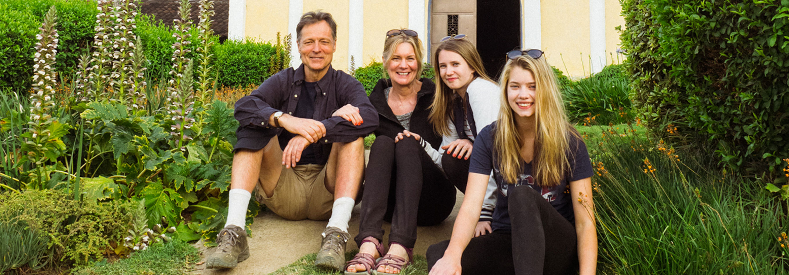 Family Volunteer Abroad Opportunities - Safest Programs, Lowest Fees