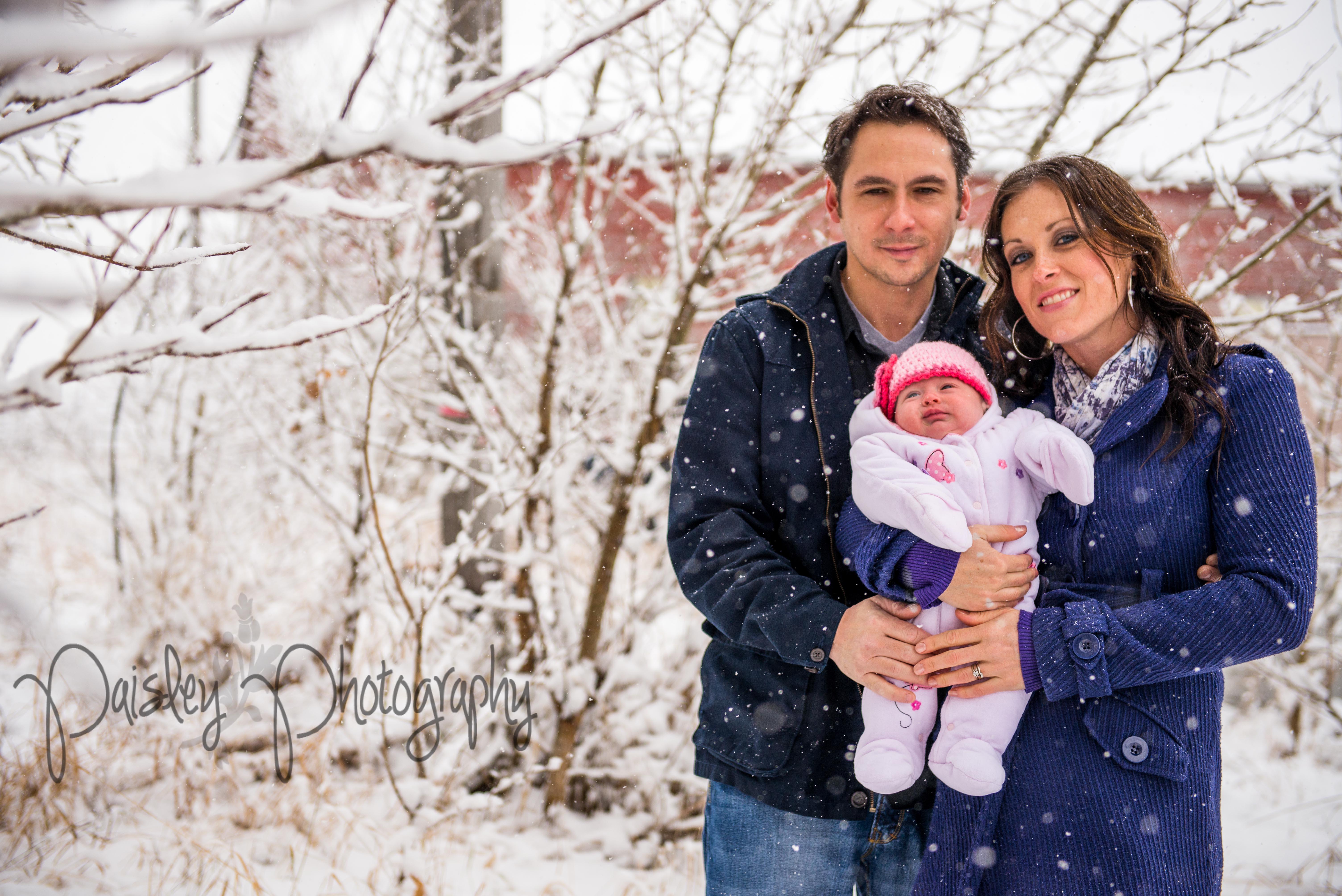 Winter Forest Family Photos - Barn Family Photography - Calgary ...
