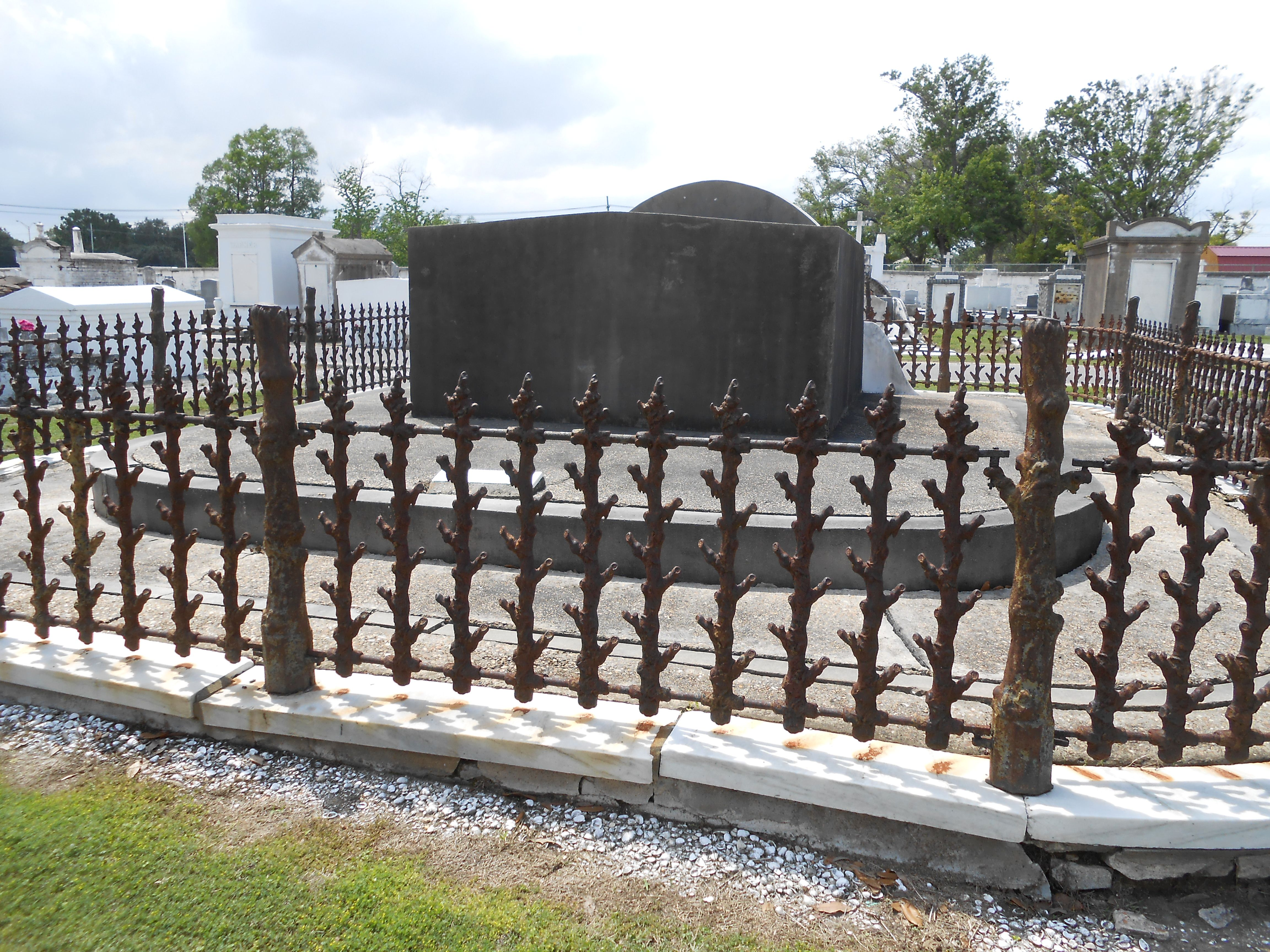 Fancy fencing, Cypress Grove Cemetery, New Orleans. | NOLA ...