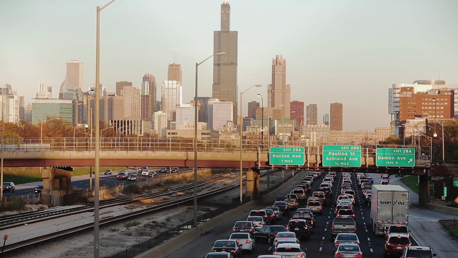 fast moving cars on highways in the city, traffic jams Chicago Stock ...