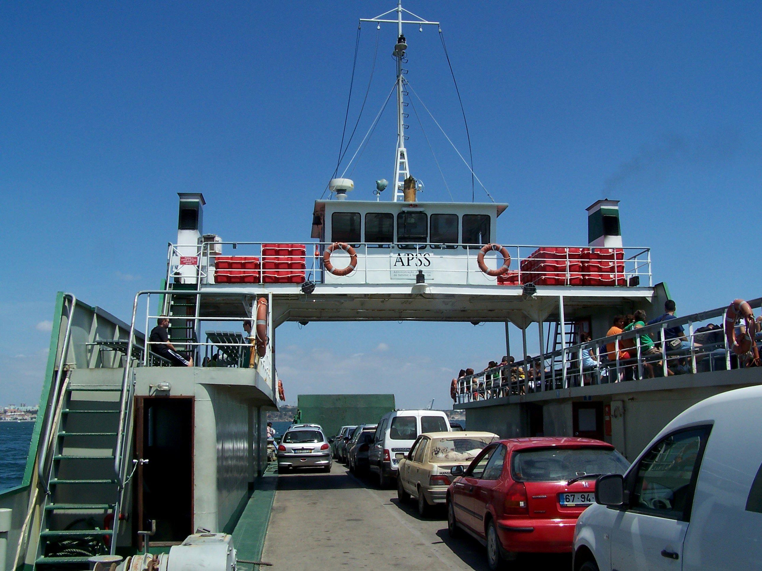 File:Ferry-Boat de Setúbal-Tróia III.jpg - Wikimedia Commons