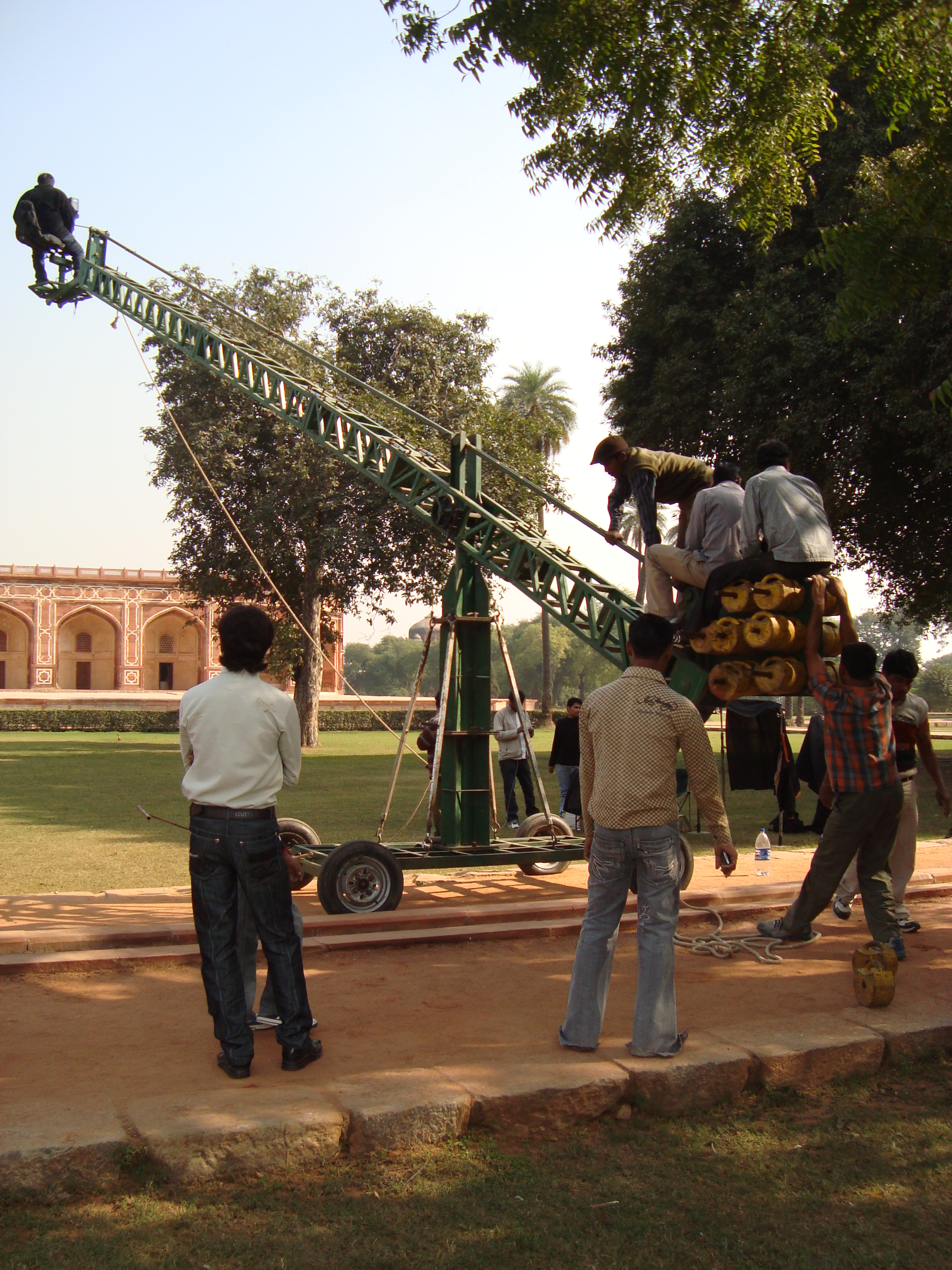 File:Film Shooting From a Crane.jpg - Wikimedia Commons