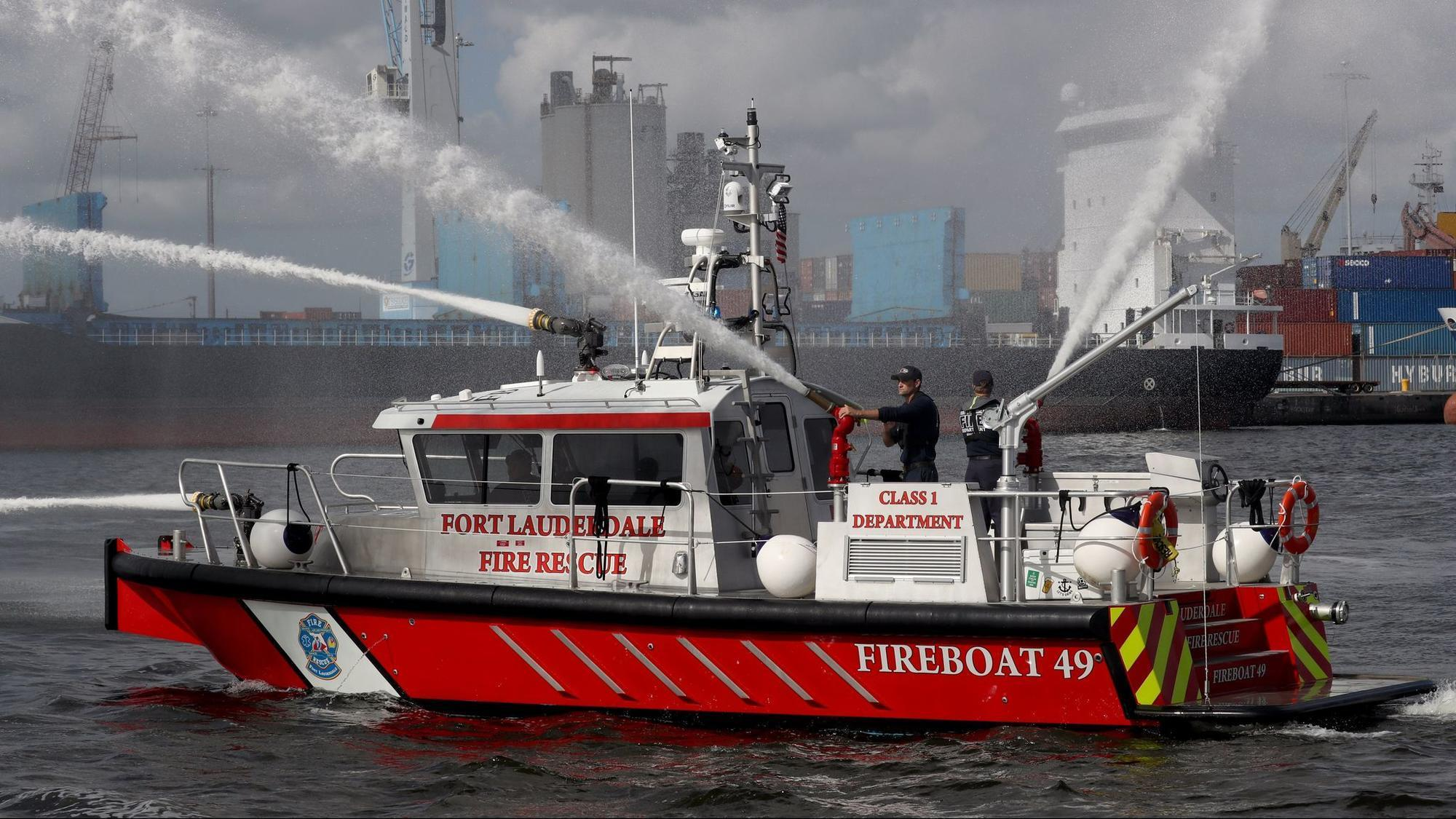 Fire boat photo