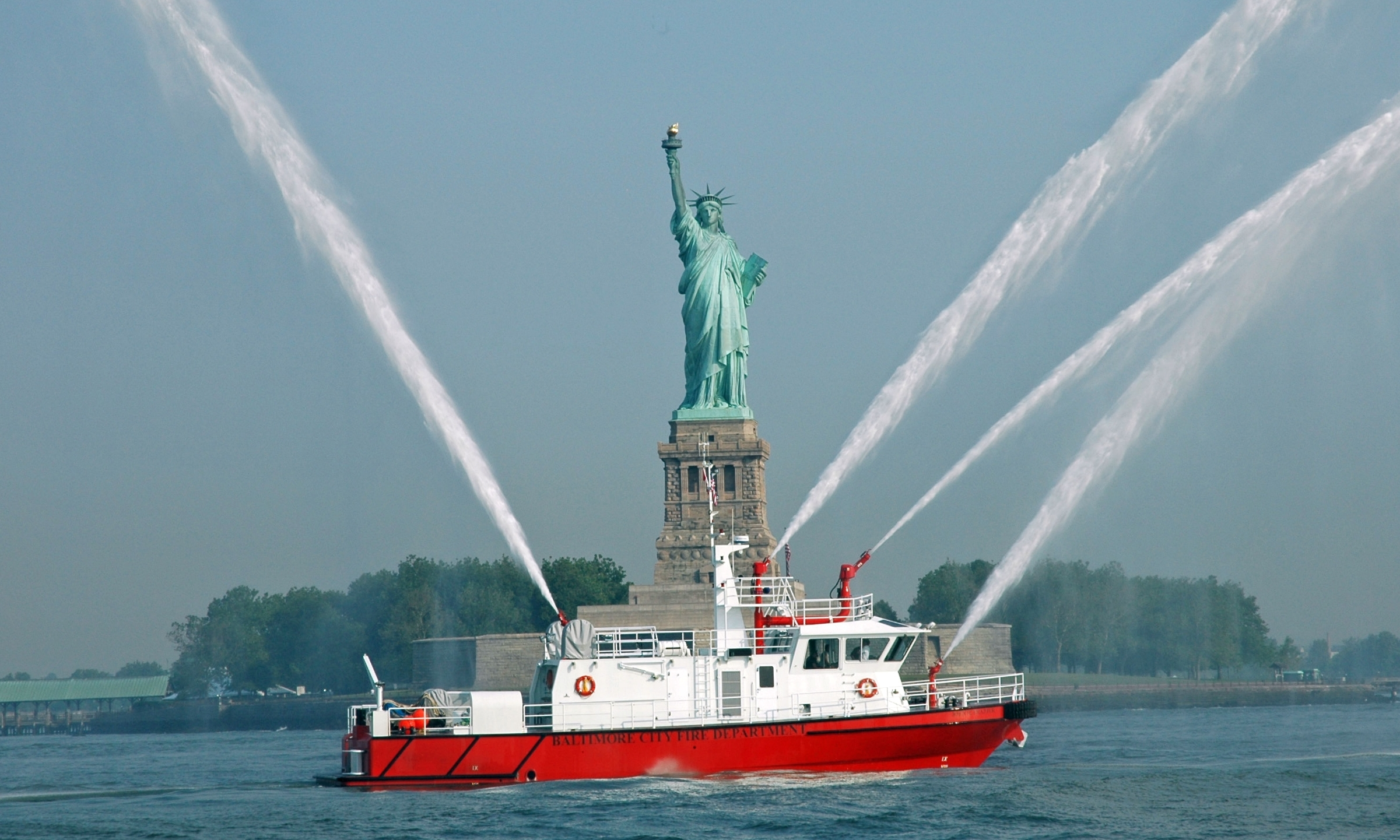 Heavy Duty Custom Commercial Manufacturer of Fire-Boats For Serious ...