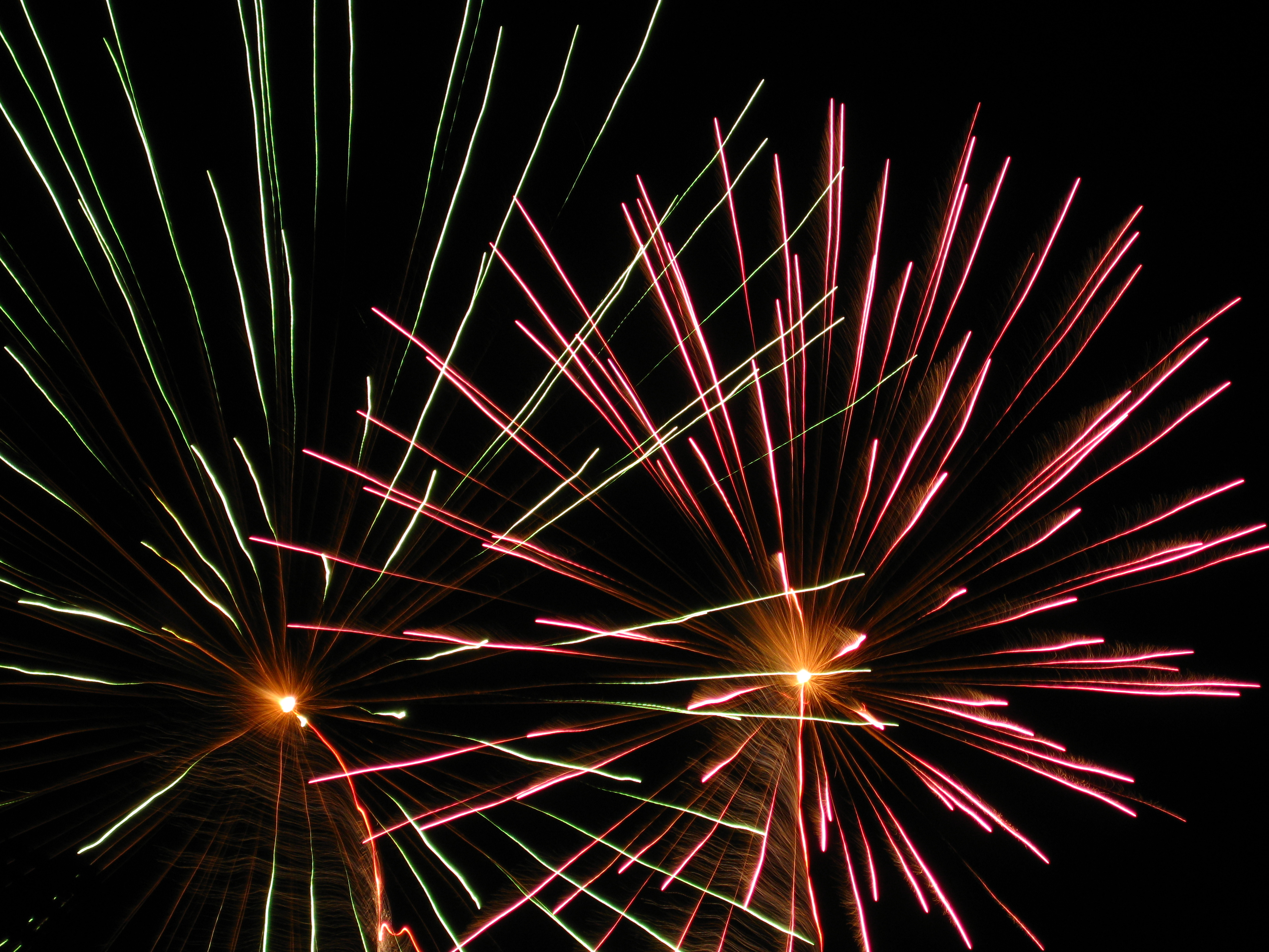 File:Independence Day Fireworks 2.jpg - Wikimedia Commons