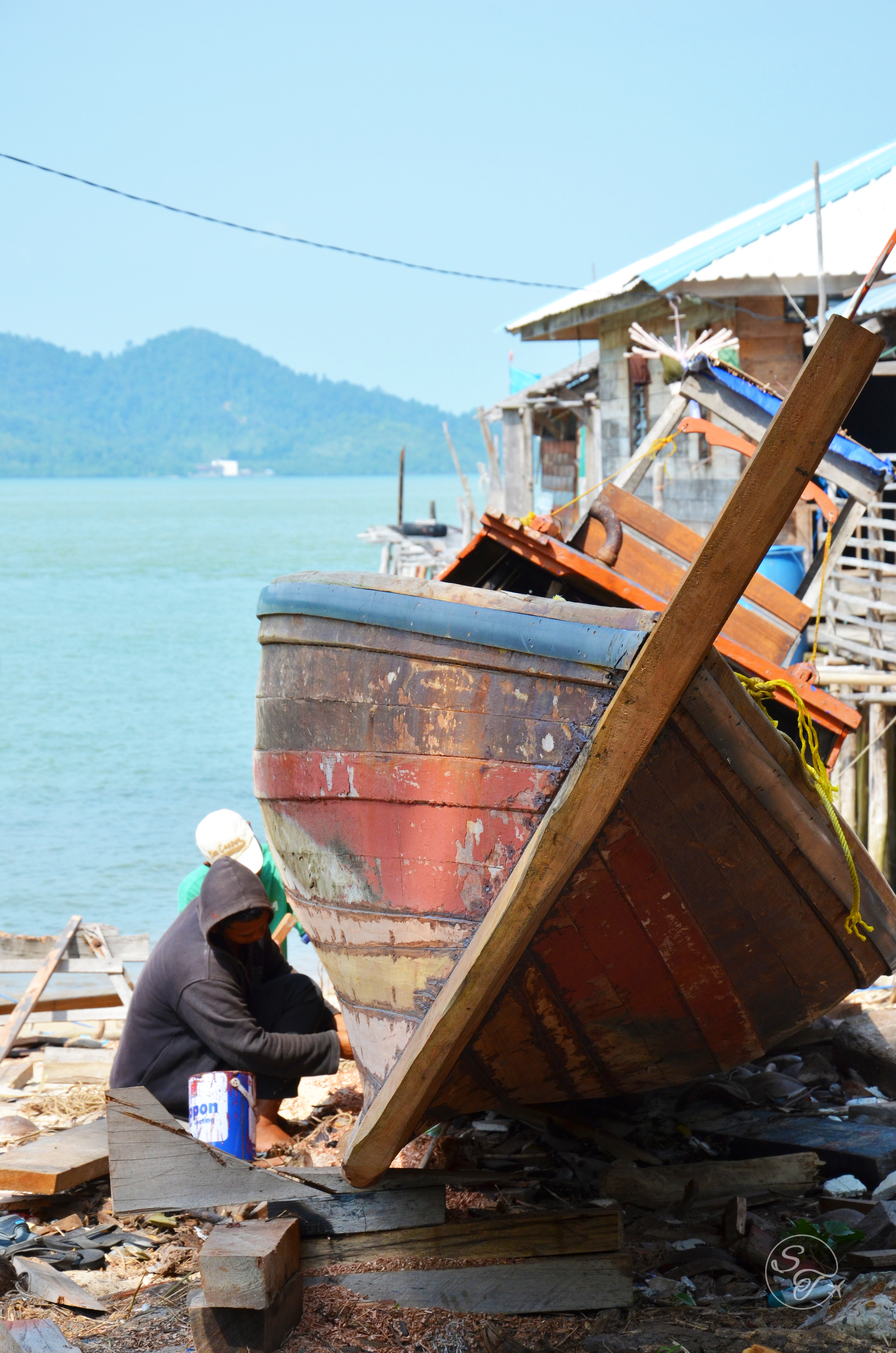 Snapshot Monday ~ Repairing Fishing Boats - Seriously Travel