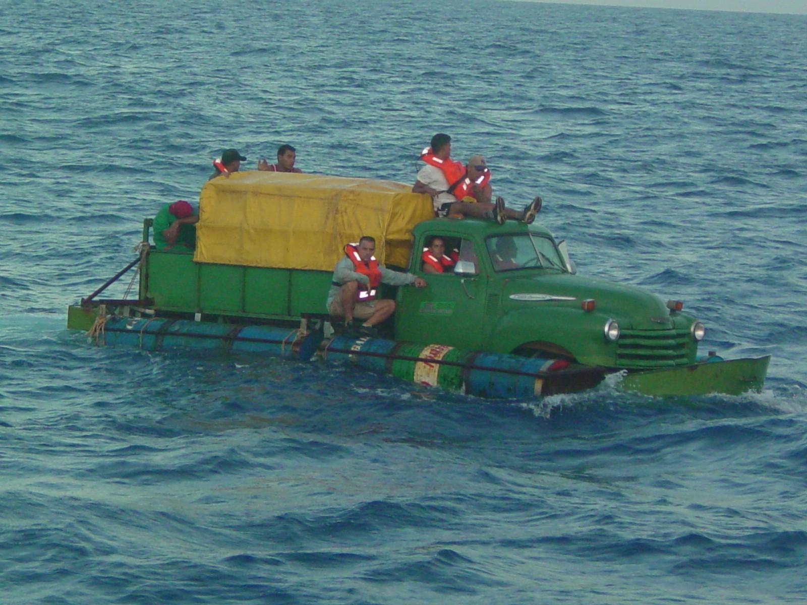 Floating Cubans