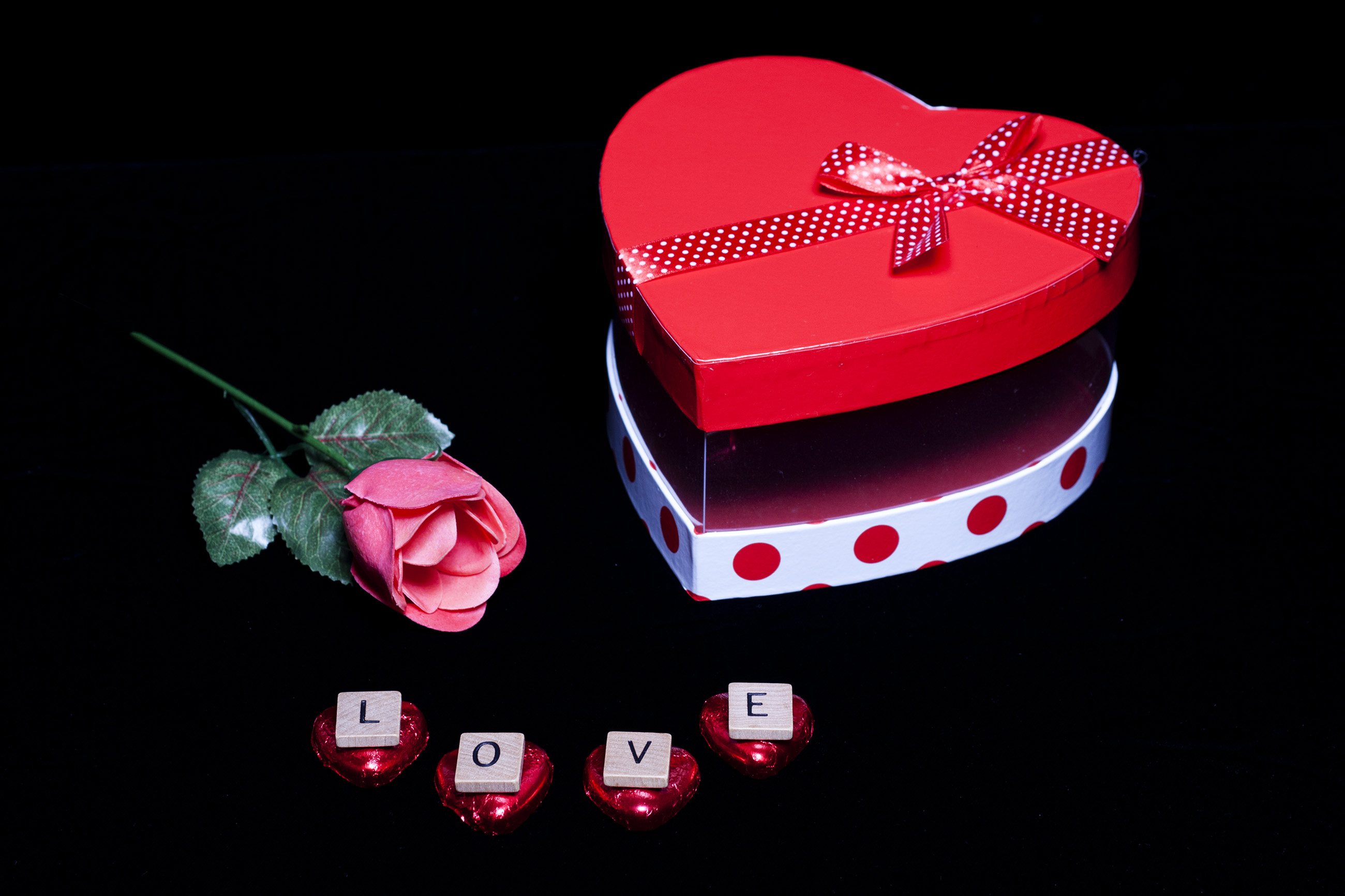 Flower and Chocolates - Love on Valentine's Day, Present, Patterned, Red, Ribbon, HQ Photo