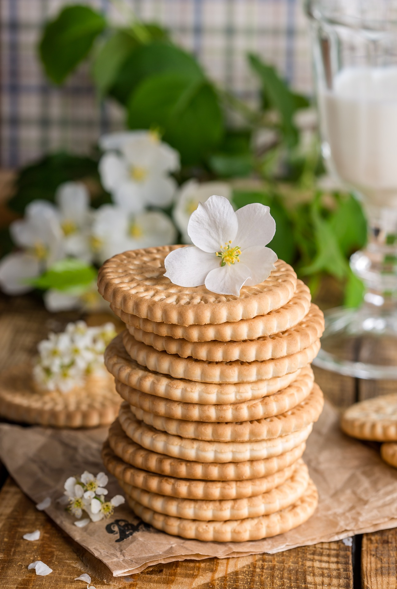 Flower on the Cookies, Biscuit, Cookie, Flower, Food, HQ Photo