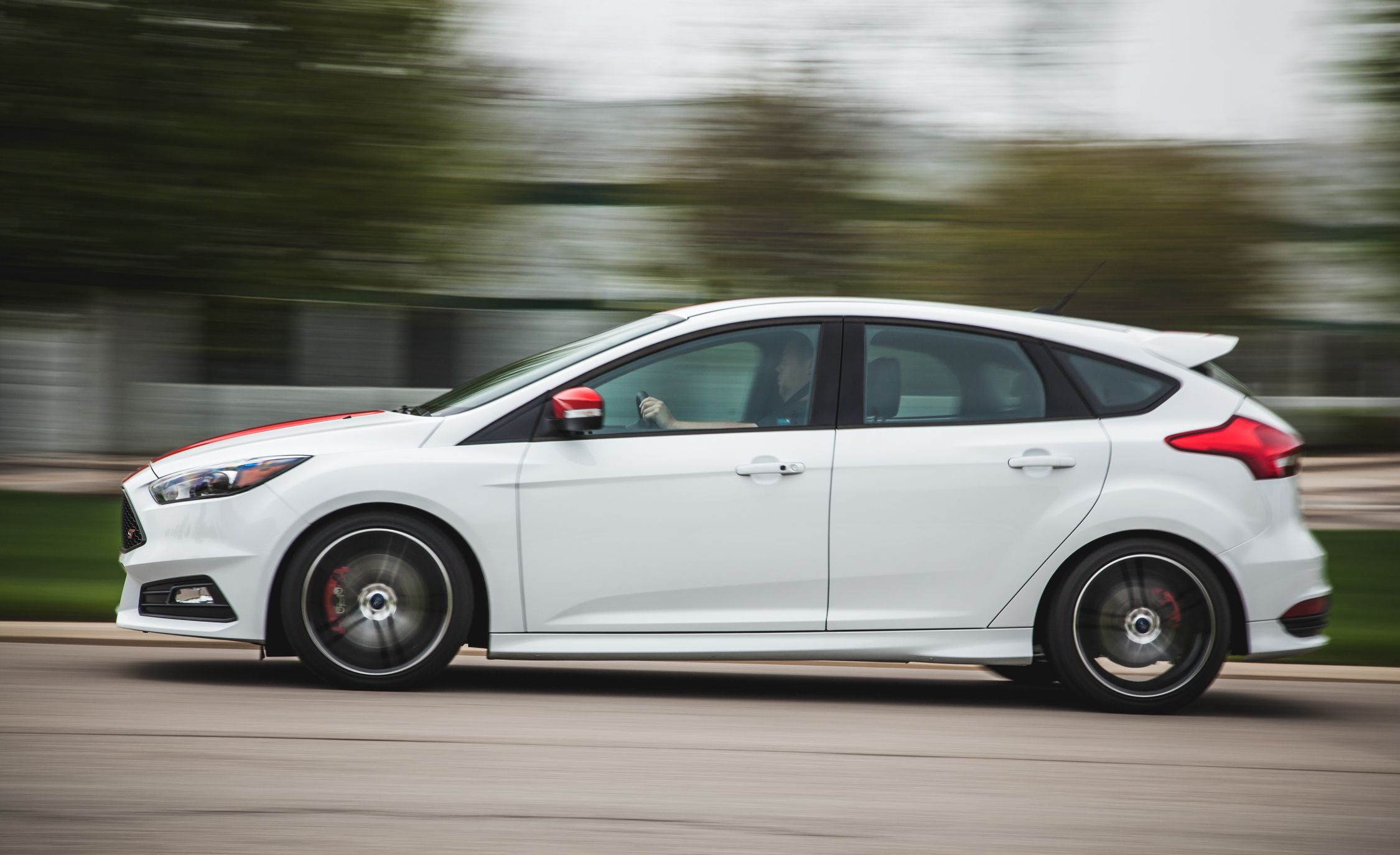 Ford Focus ST Reviews | Ford Focus ST Price, Photos, and Specs | Car ...
