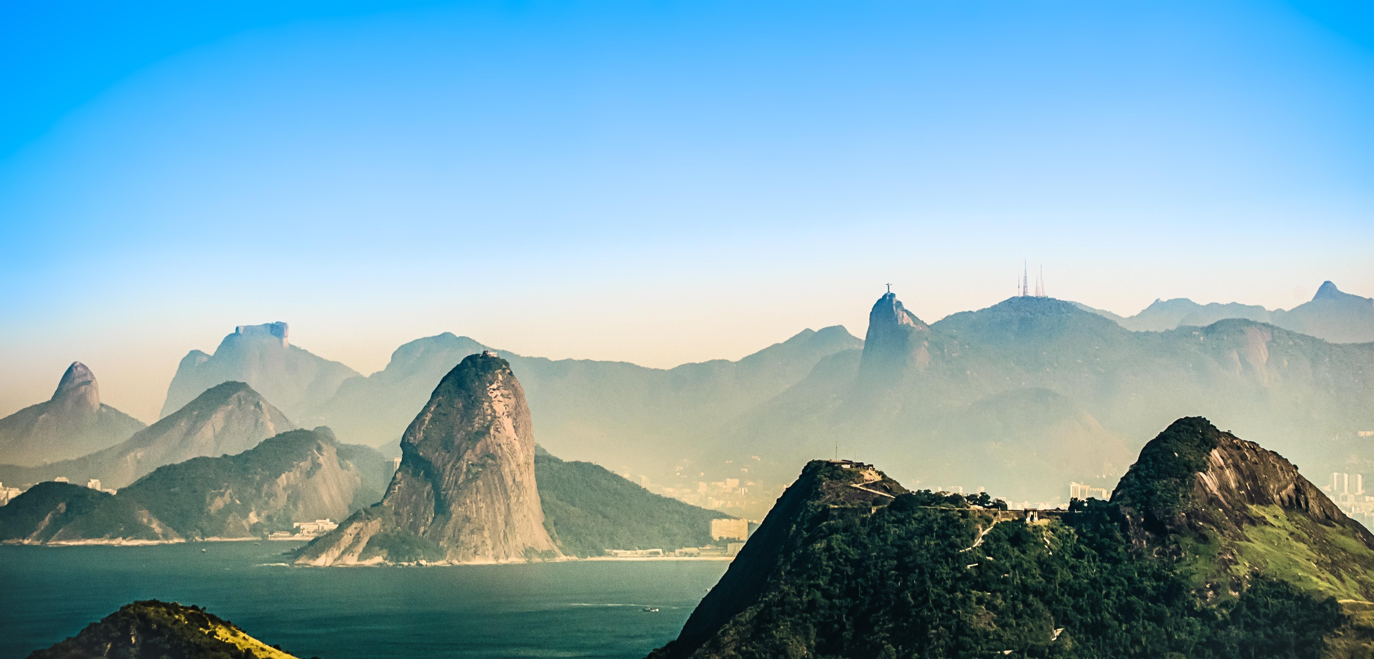 Fog Covered Mountains during Daytime, Scenic, Rocks, Rio de janeiro, Sea, HQ Photo
