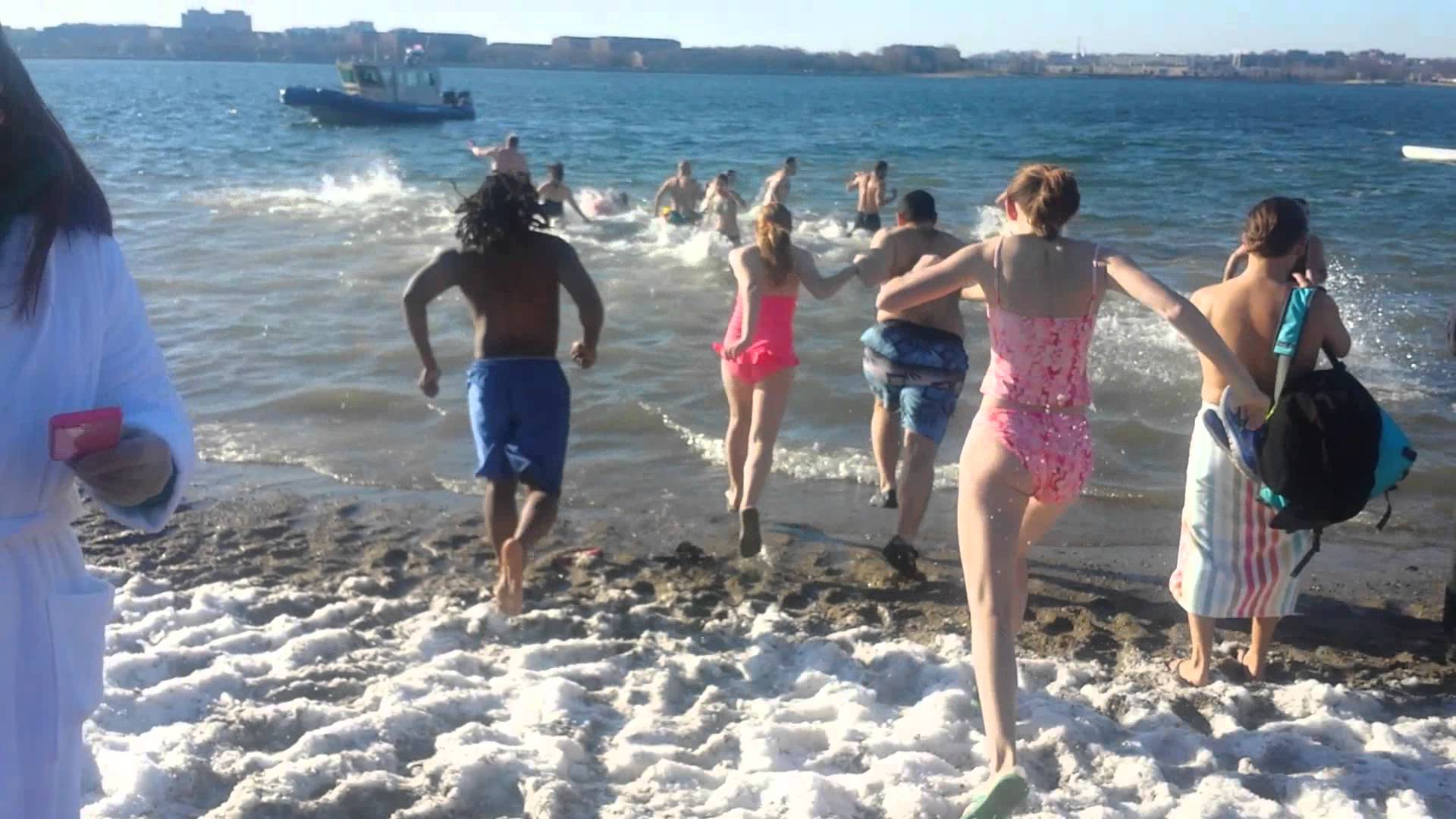 New Year's Swim Ice cold water - YouTube