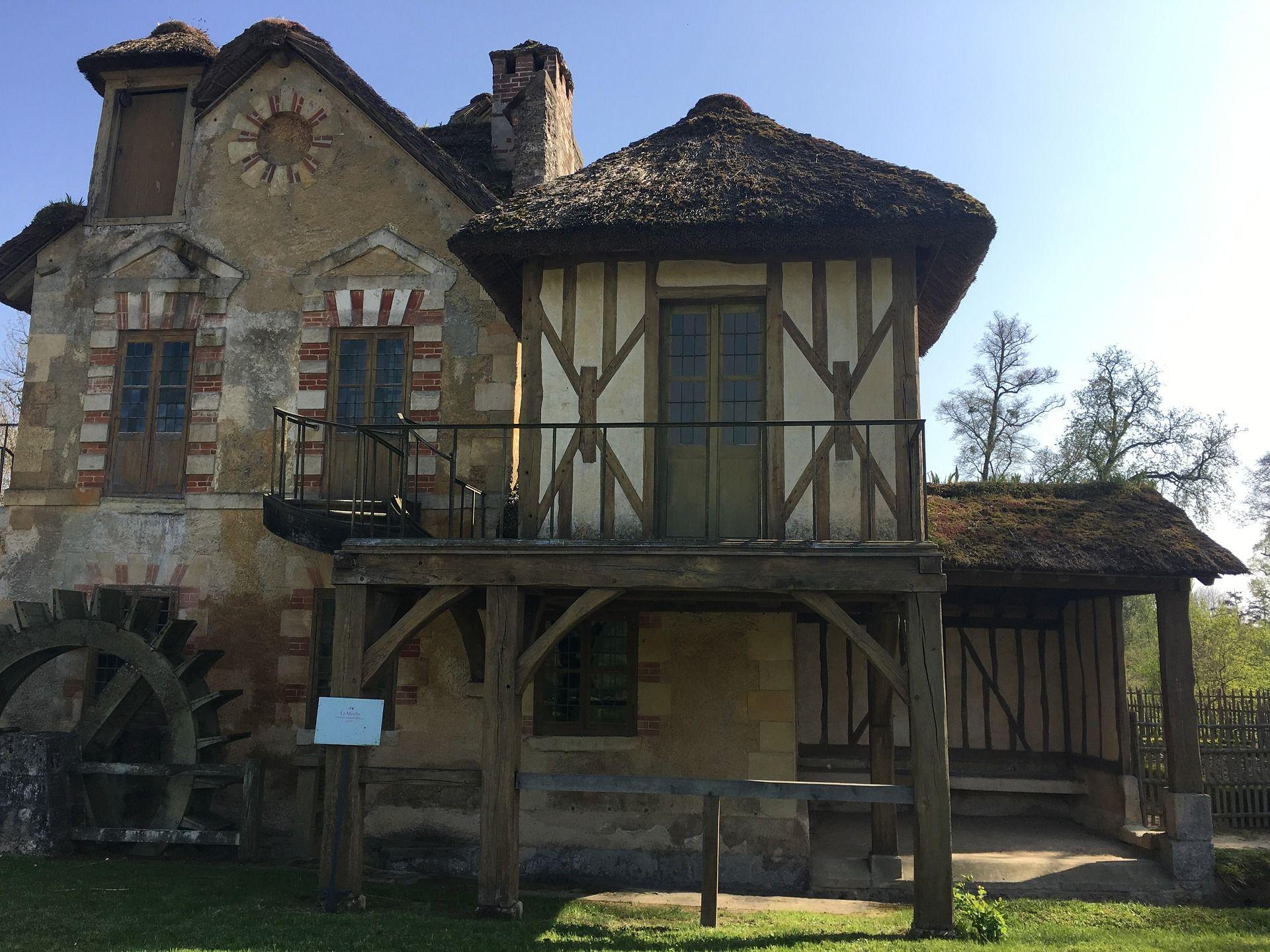 Medieval French House - modlar.com