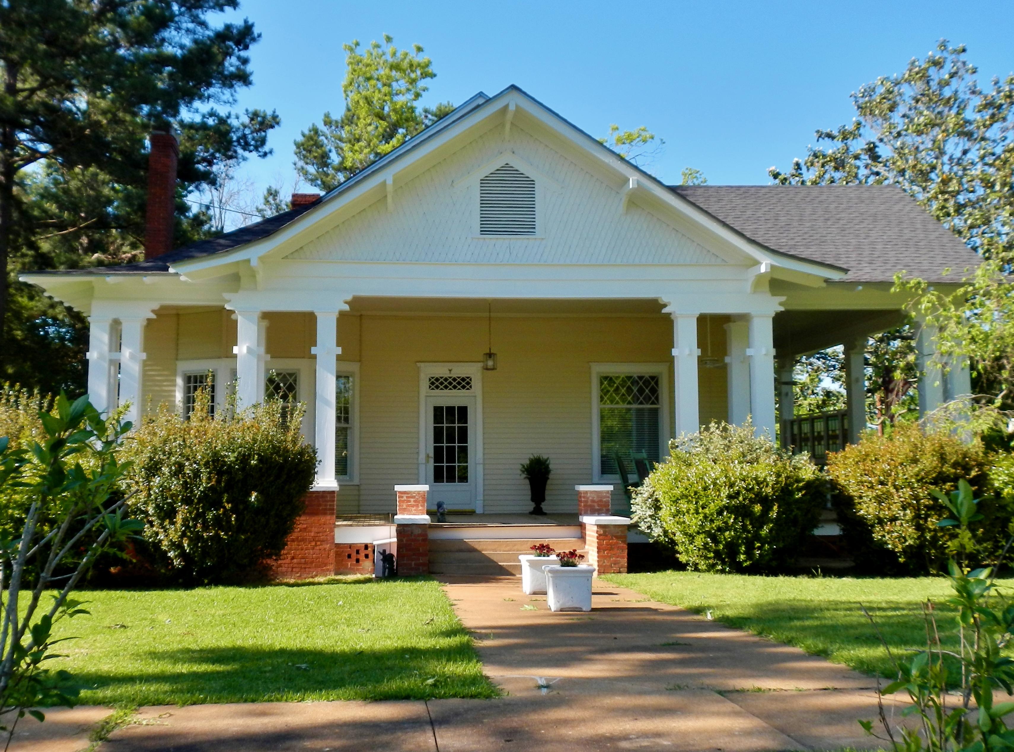 File:Arthur A. French House (c. 1914) (Richland, GA).JPG - Wikimedia ...