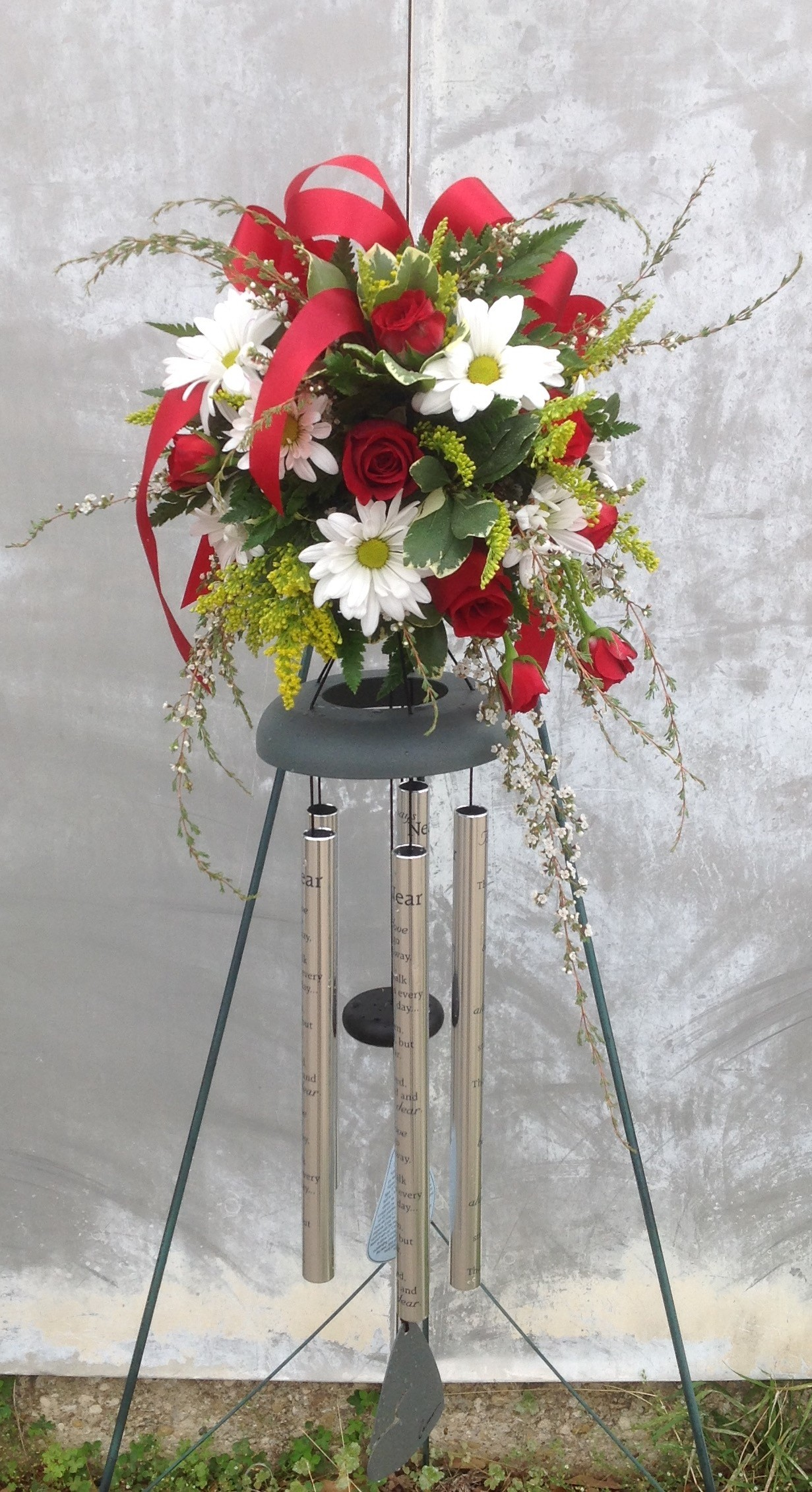 Memorial chime with fresh flowers in Lake Worth, TX | Lake Worth Florist