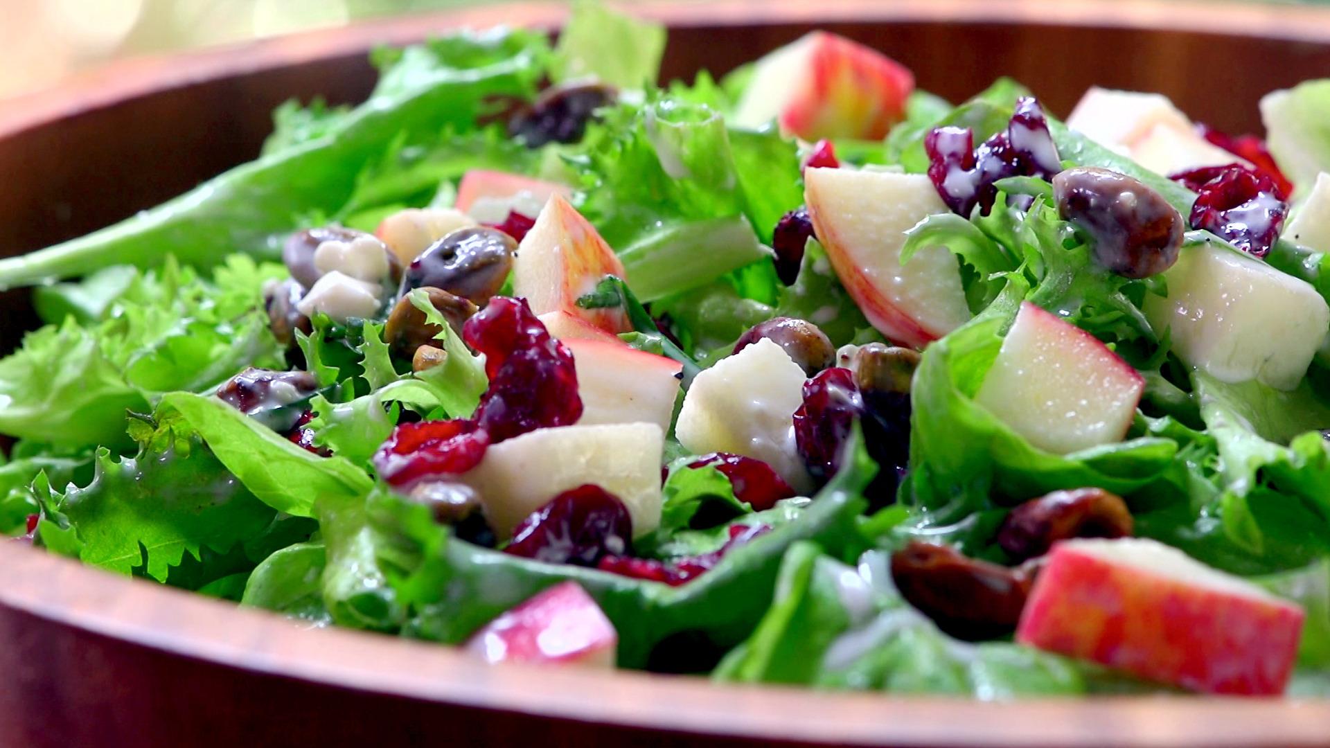 Garden-Fresh Green Leaf Salad | Food Network