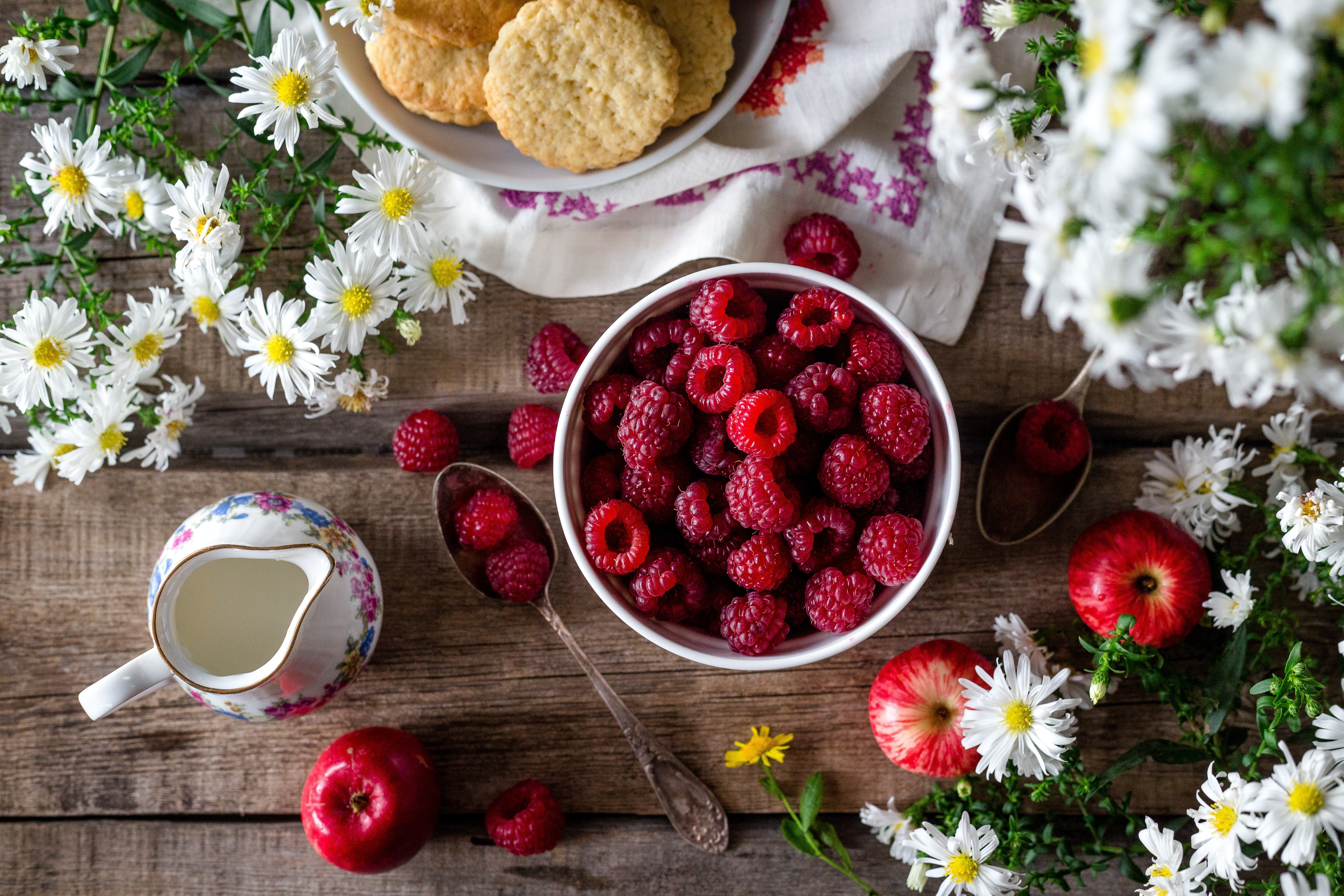 Fruits and Flower on Flowers, Appetizer, Raspberry, Milk, Mood, HQ Photo