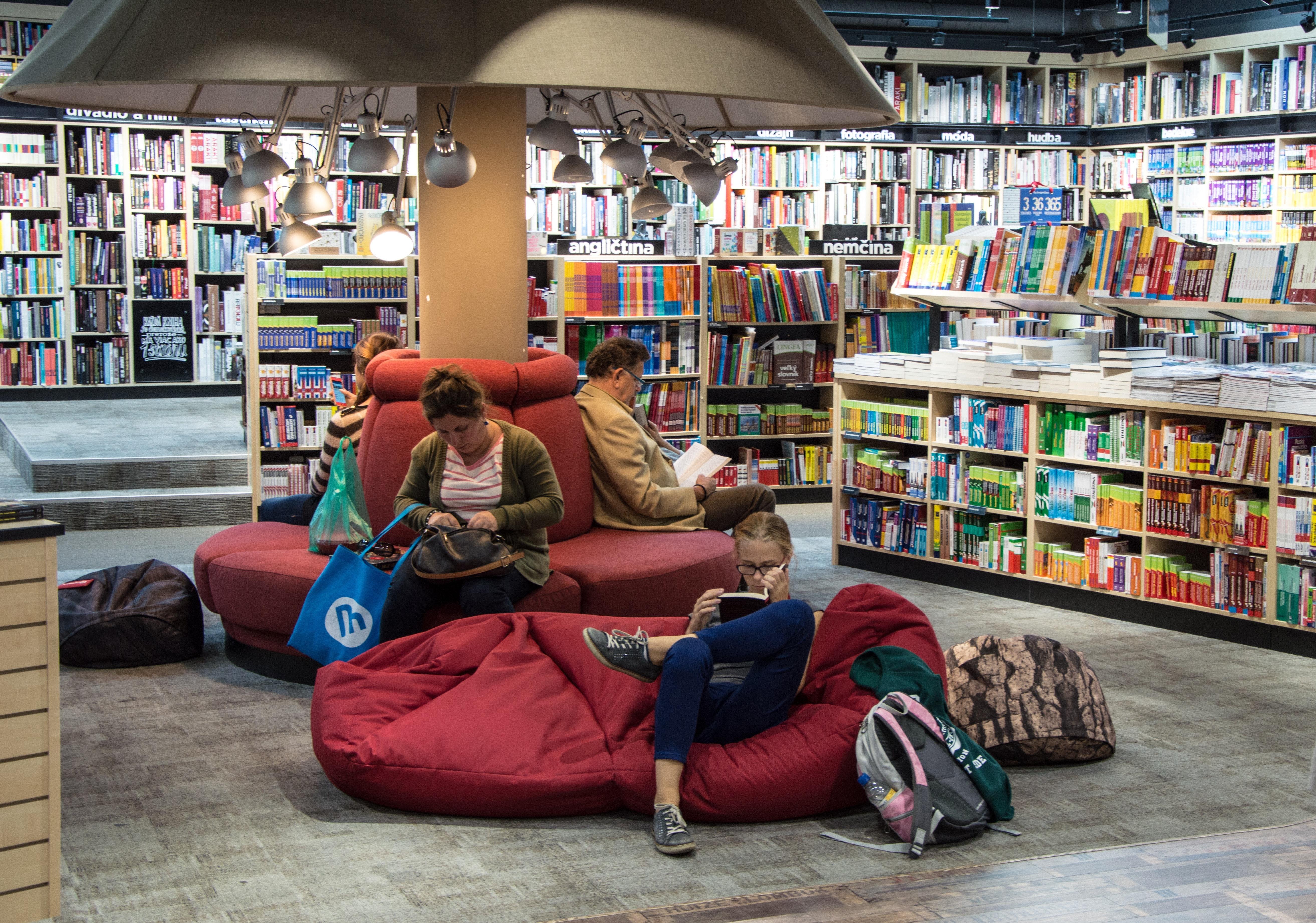 Full Length of Man Sitting on Floor, Backpack, Reader, Sofa, Sitting, HQ Photo