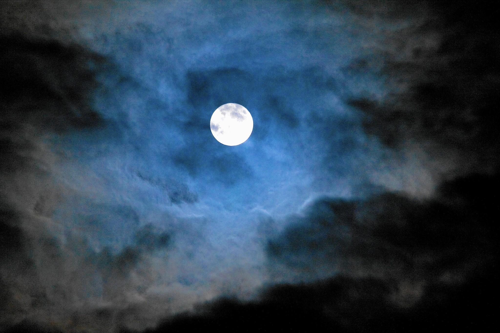 Don't blame kids' behavior on full moon - Chicago Tribune