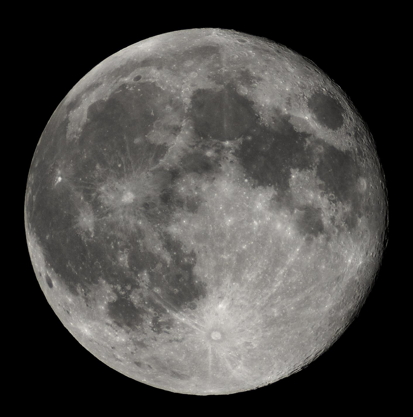 File:Full Moon Luc Viatour.jpg - Wikipedia