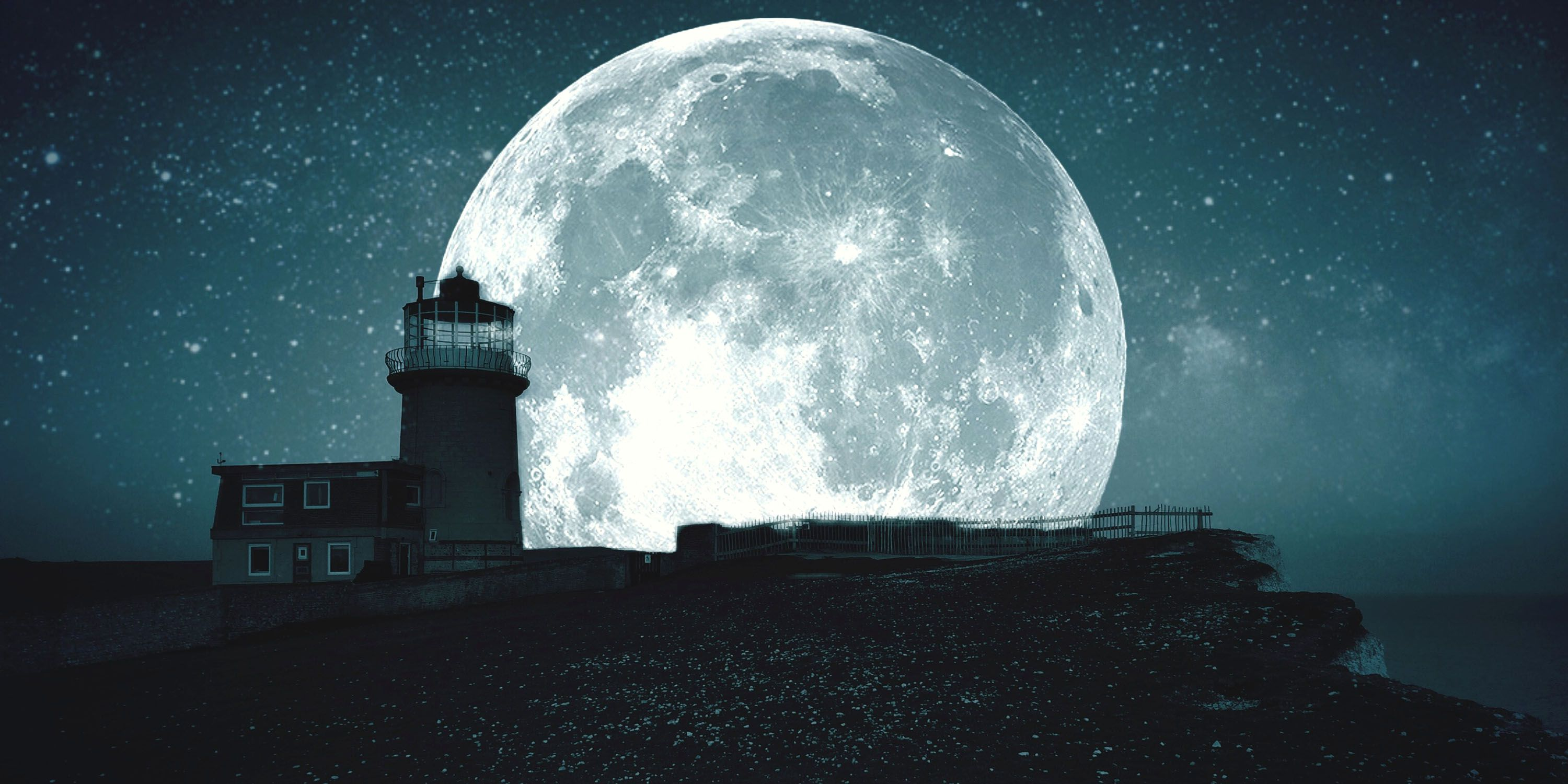 What This Week's Full Moon in Scorpio Means For You