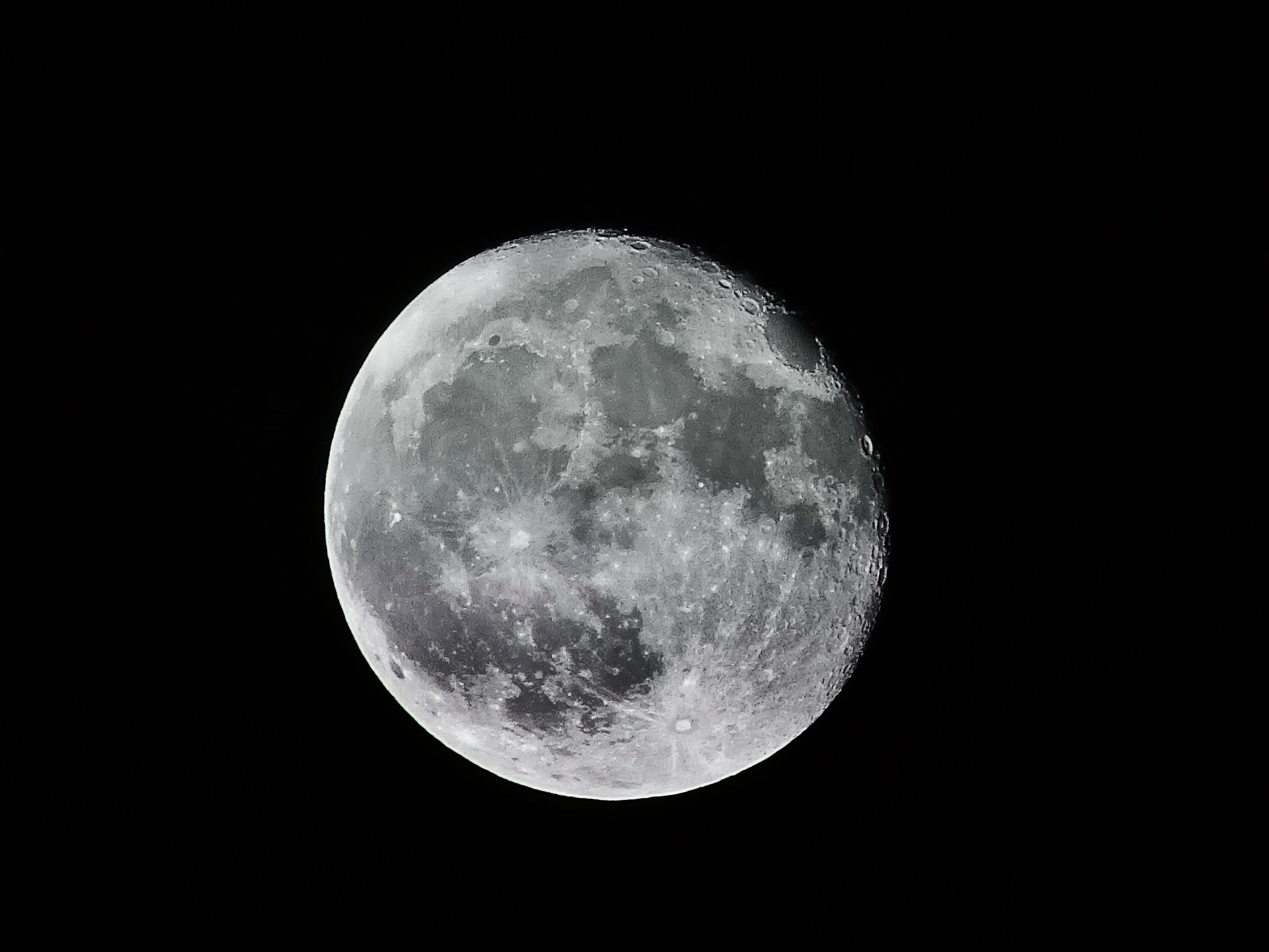 2018's First Supermoon Lines up with New Year's Day