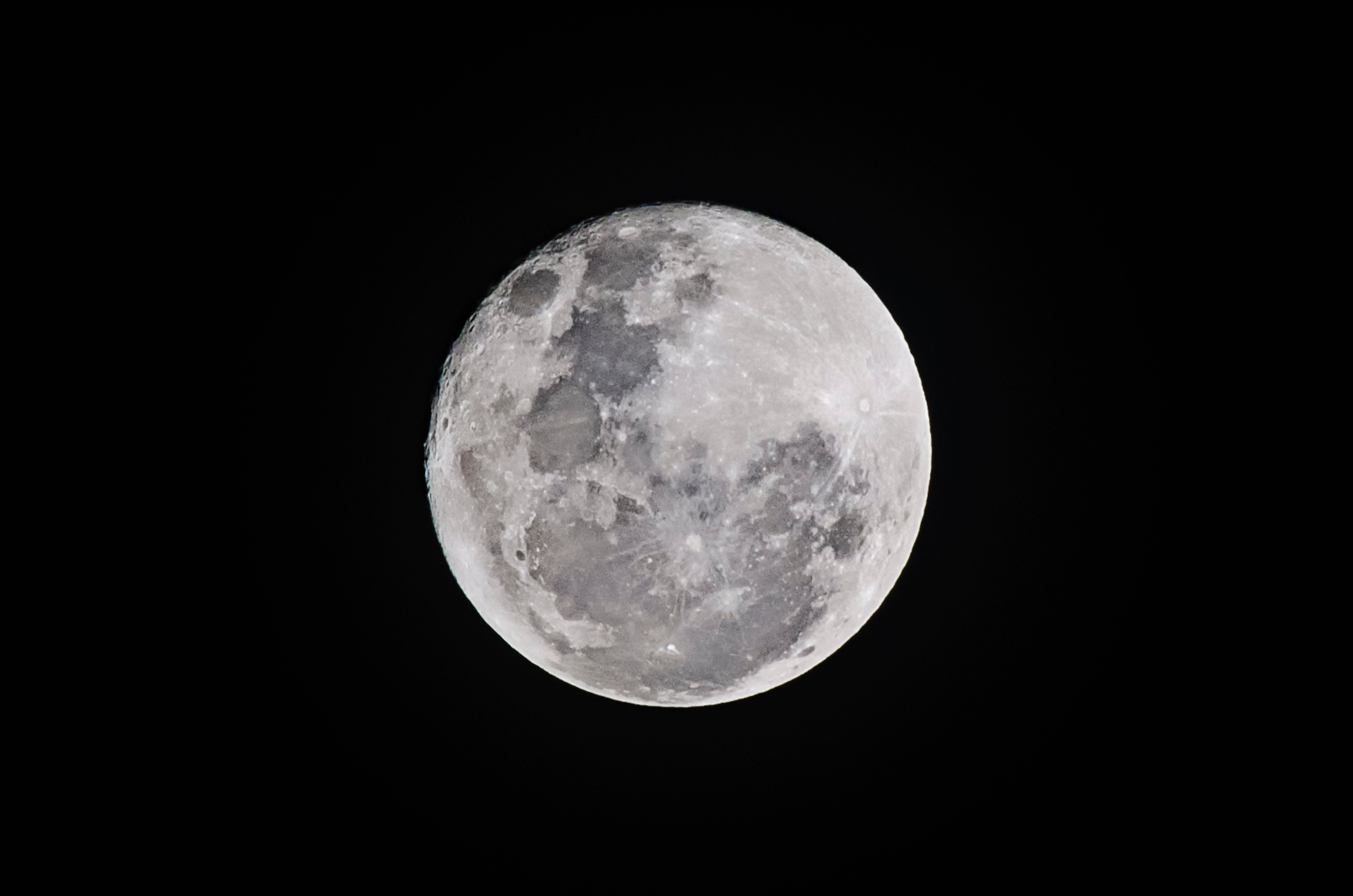 250+ Amazing Full Moon Photos · Pexels · Free Stock Photos