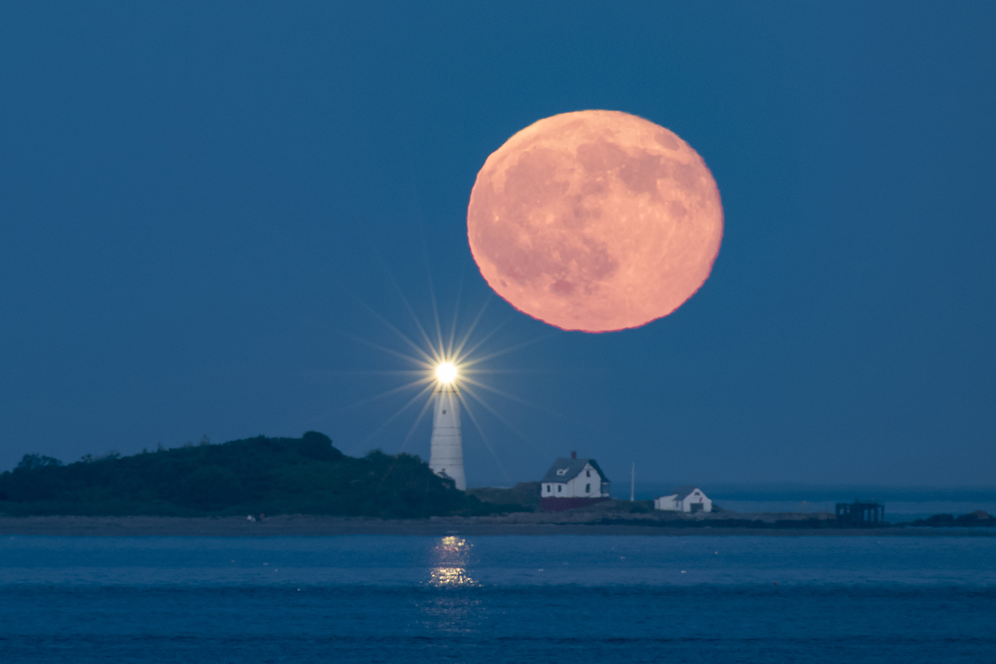 See a Rare Red Full Moon