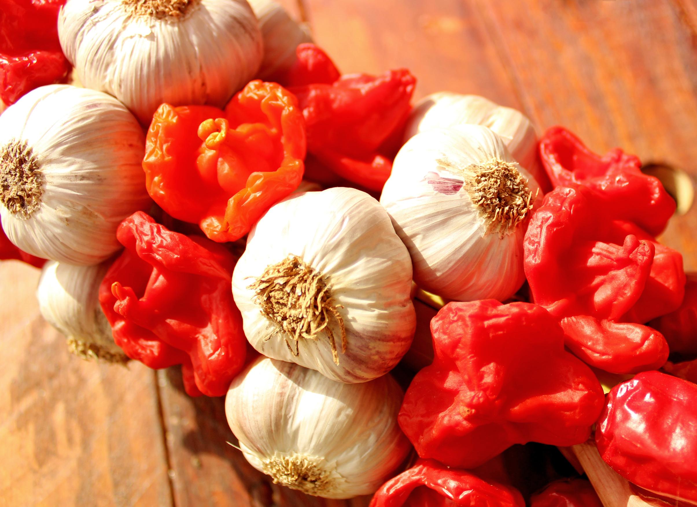Garlic and Pepper - Mediterranean Cuisine, Allium, Pineapple, Natural, Nutrient, HQ Photo
