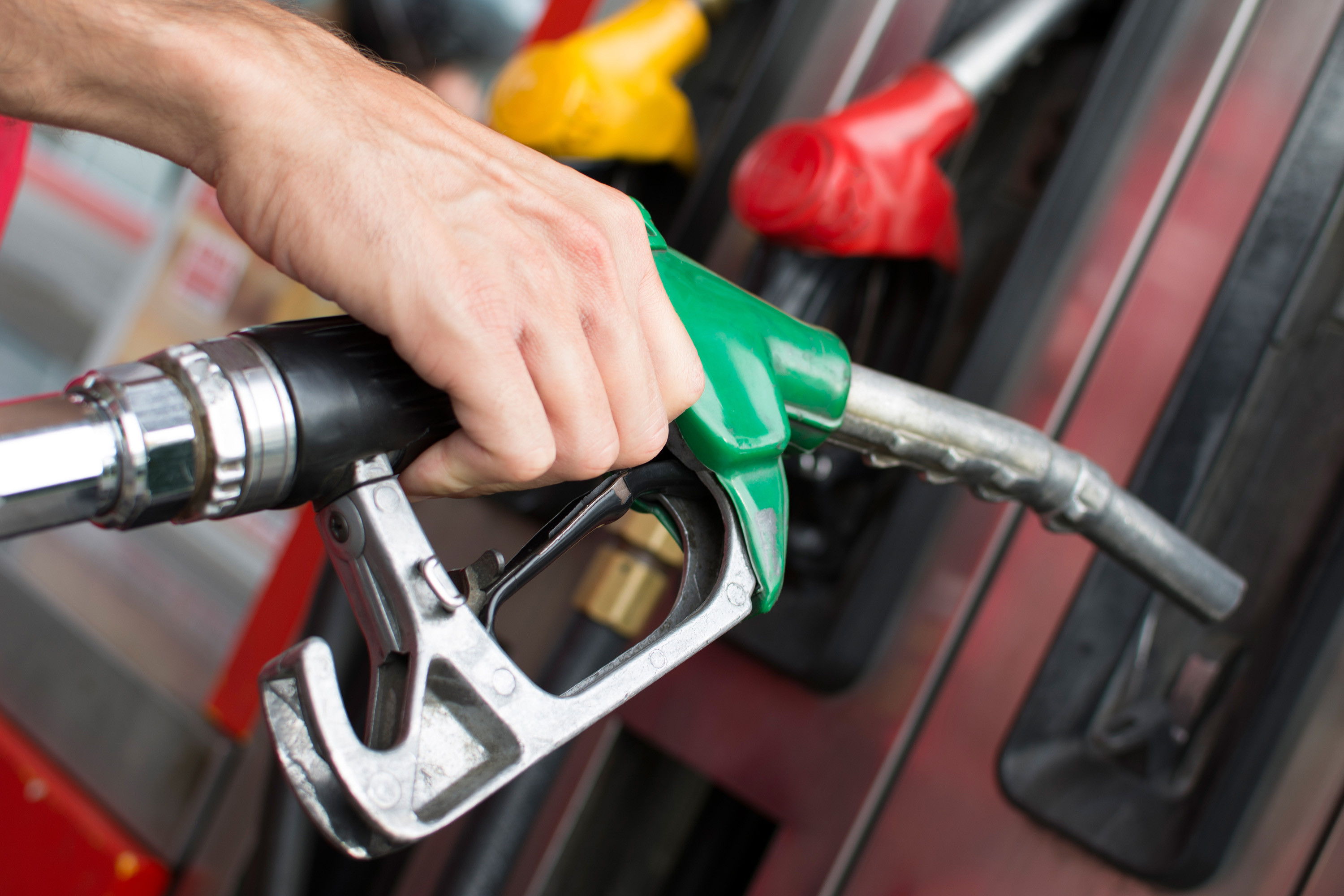 Oregon's 'radical' step: allowing motorists to pump their own gas