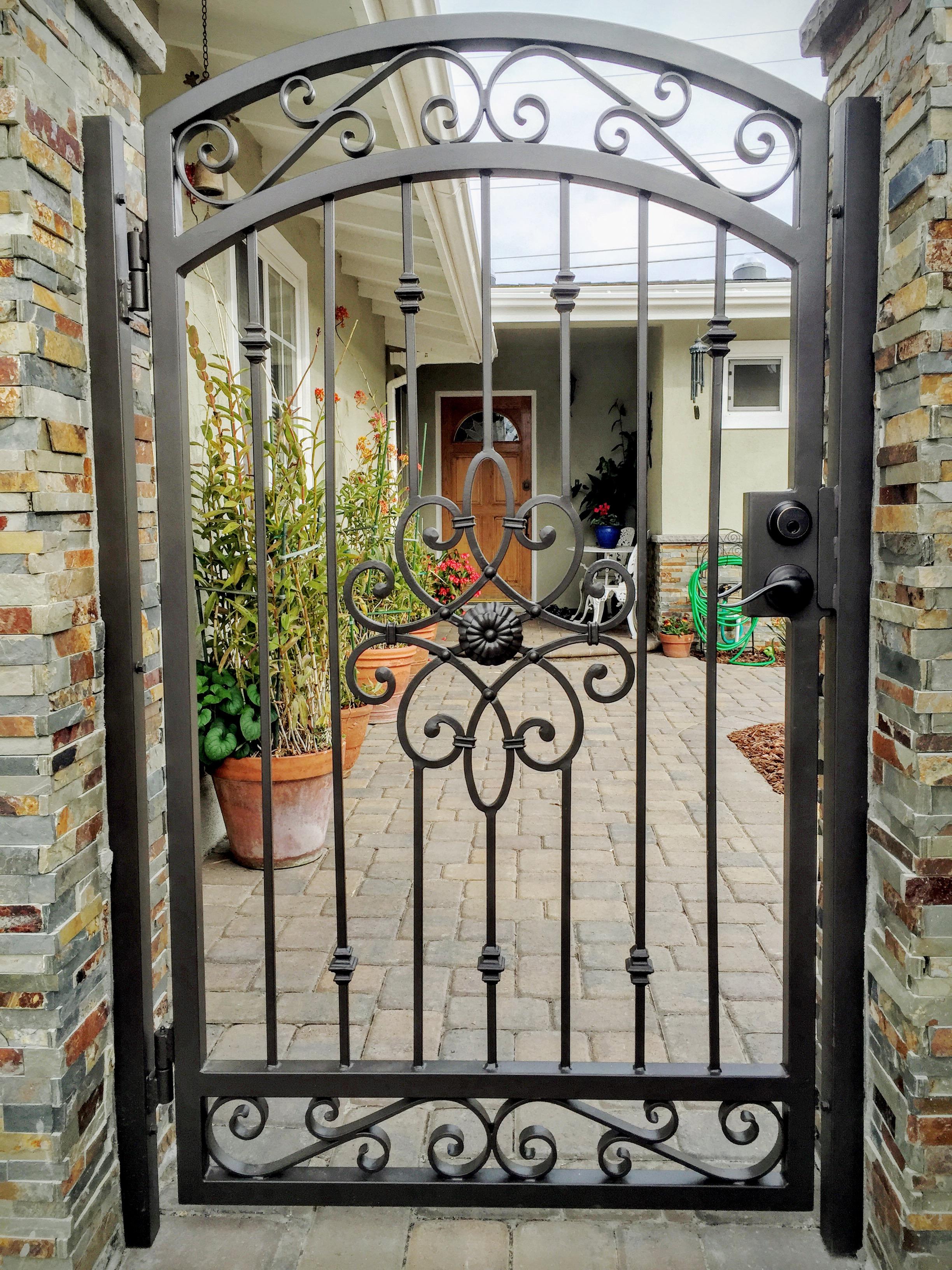 Iron gate photo