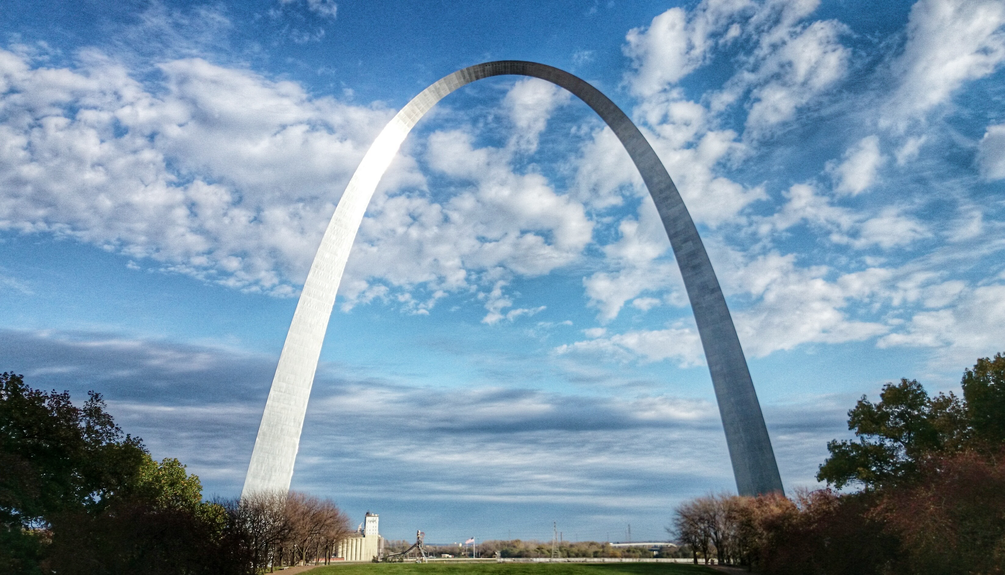 Gateway arch photo