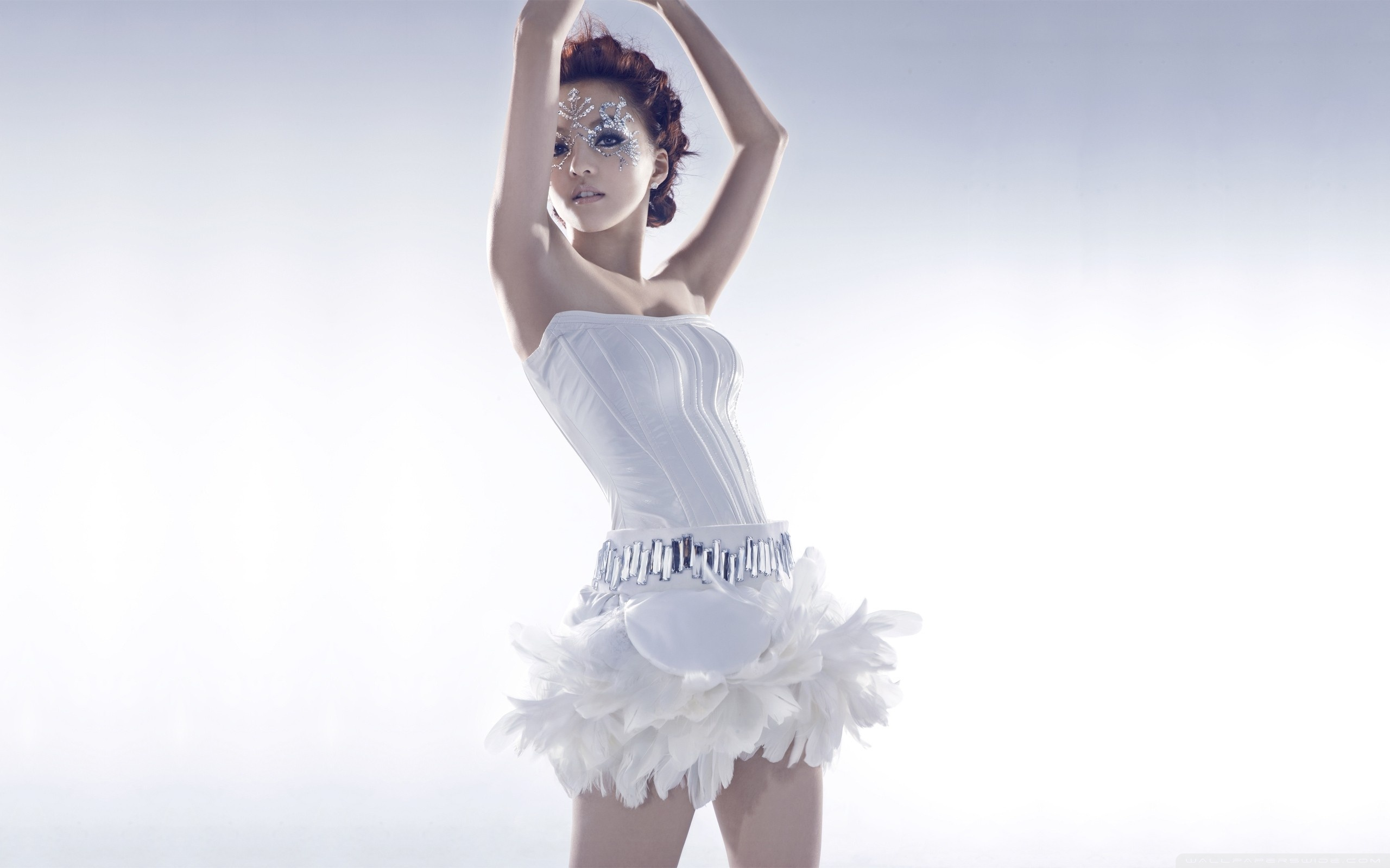 Girl In White Dress ❤ 4K HD Desktop Wallpaper for 4K Ultra HD TV ...