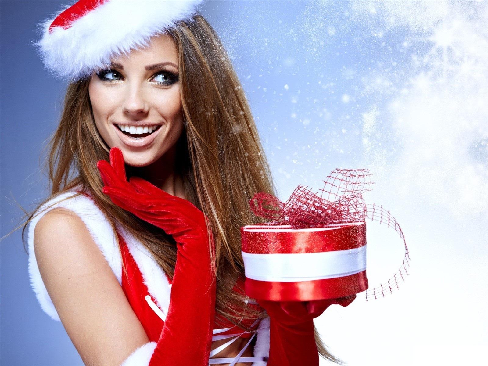 Christmas Girl Wallpaper HD 20786 - Baltana