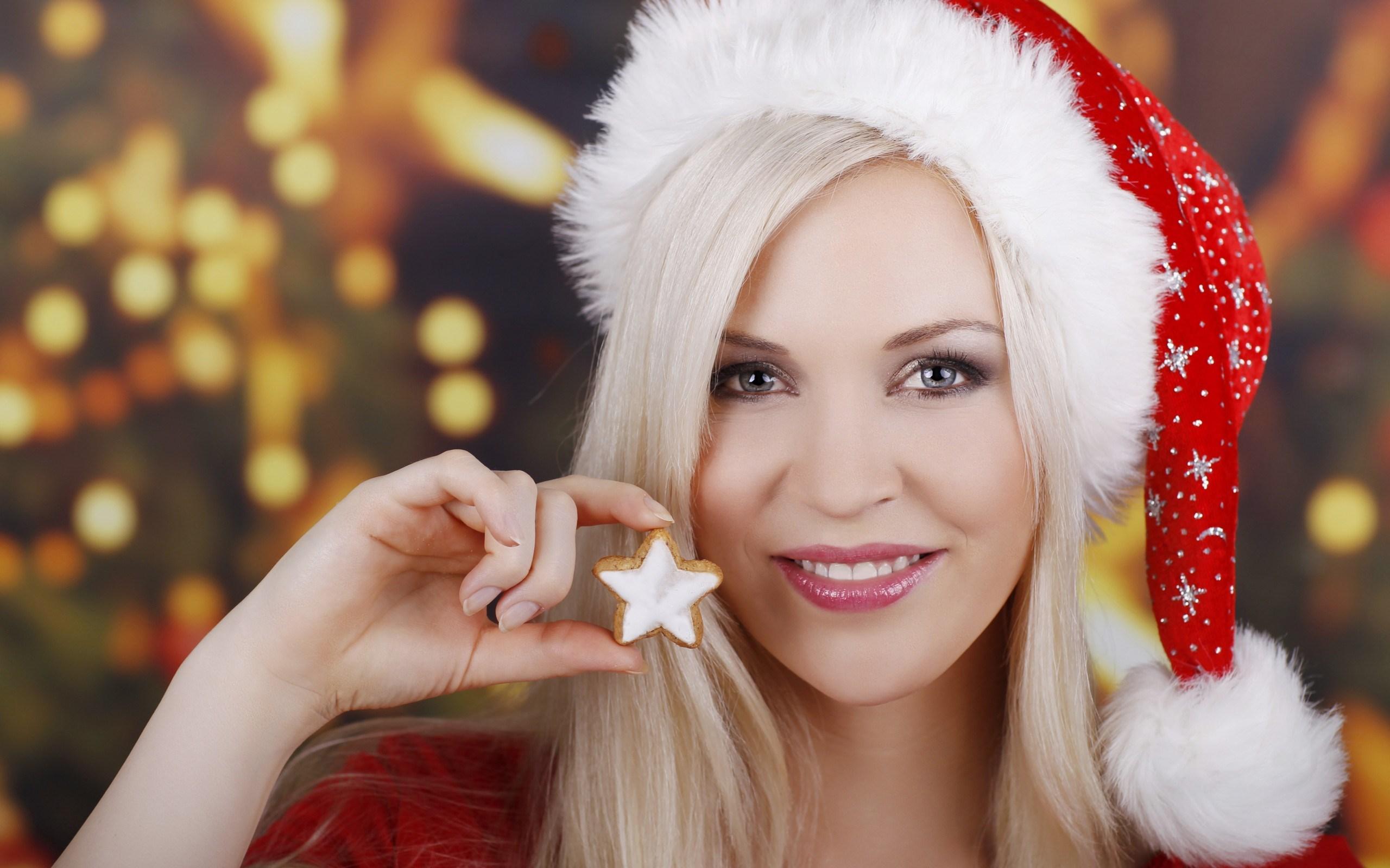 Girl Smile Look Star Christmas Lights #7029832