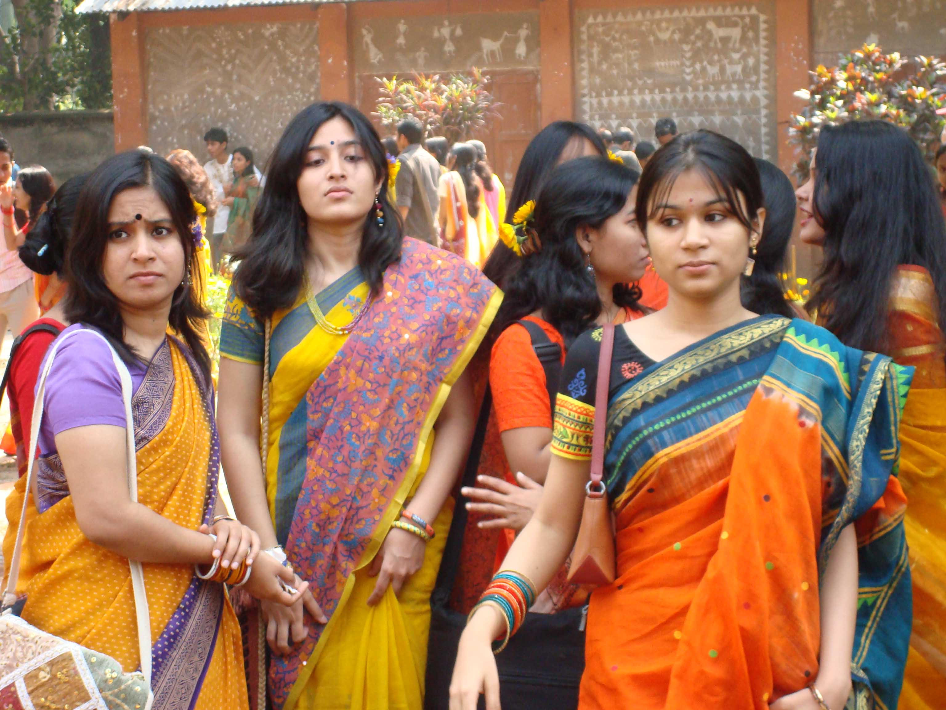 Girls in Sharee, Females, Girls, Group, Indian, HQ Photo