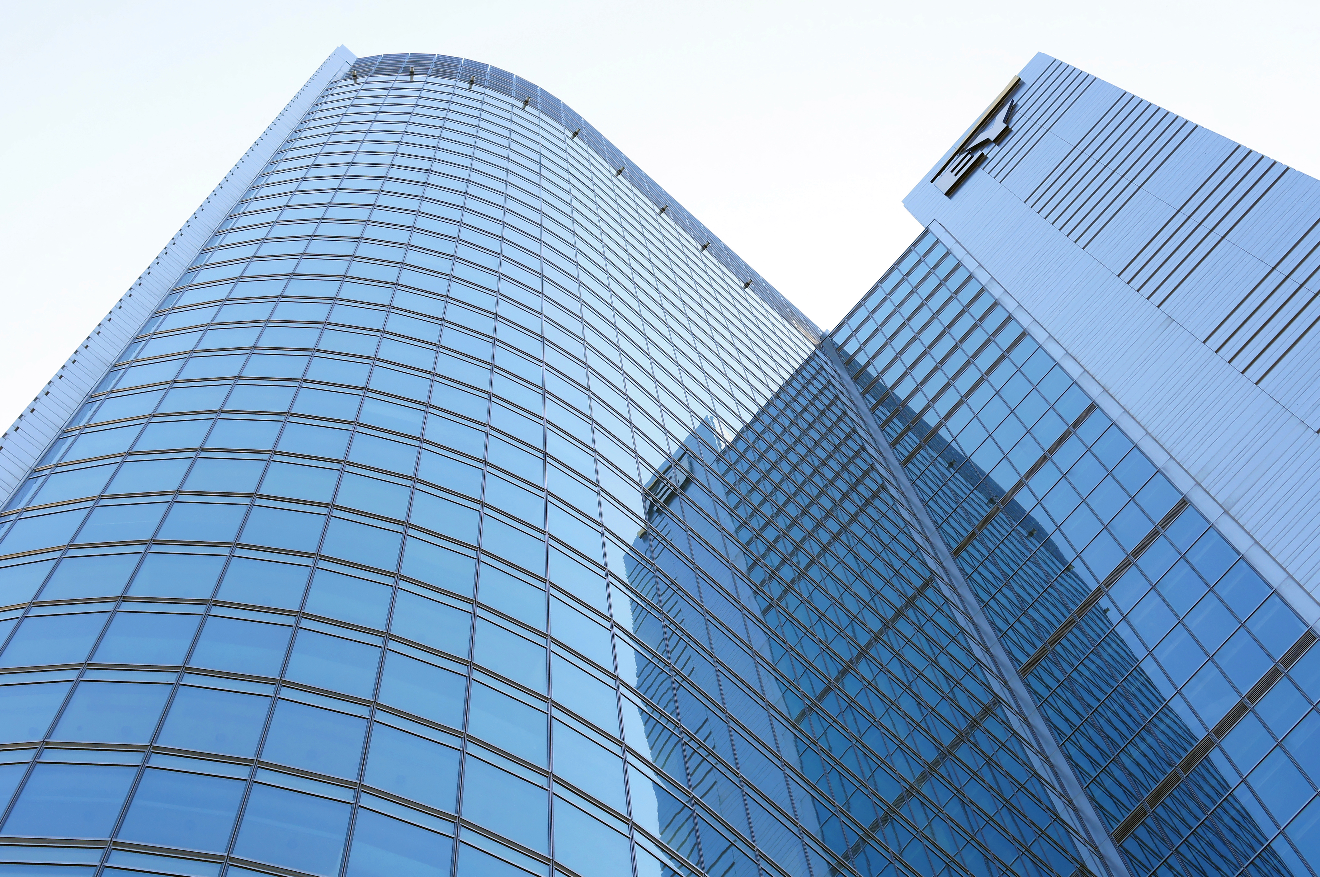 Modern glass building in Warsaw - Our Great Photos