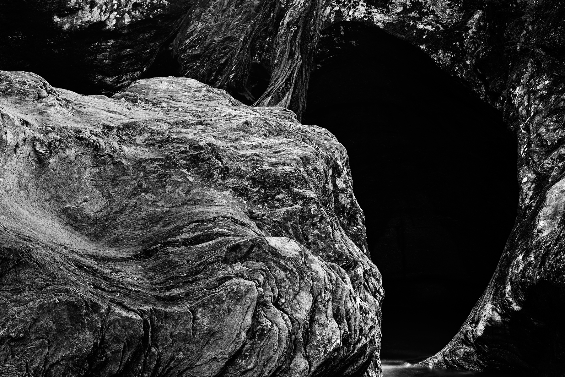 Gobble rock cave - black & white hdr photo