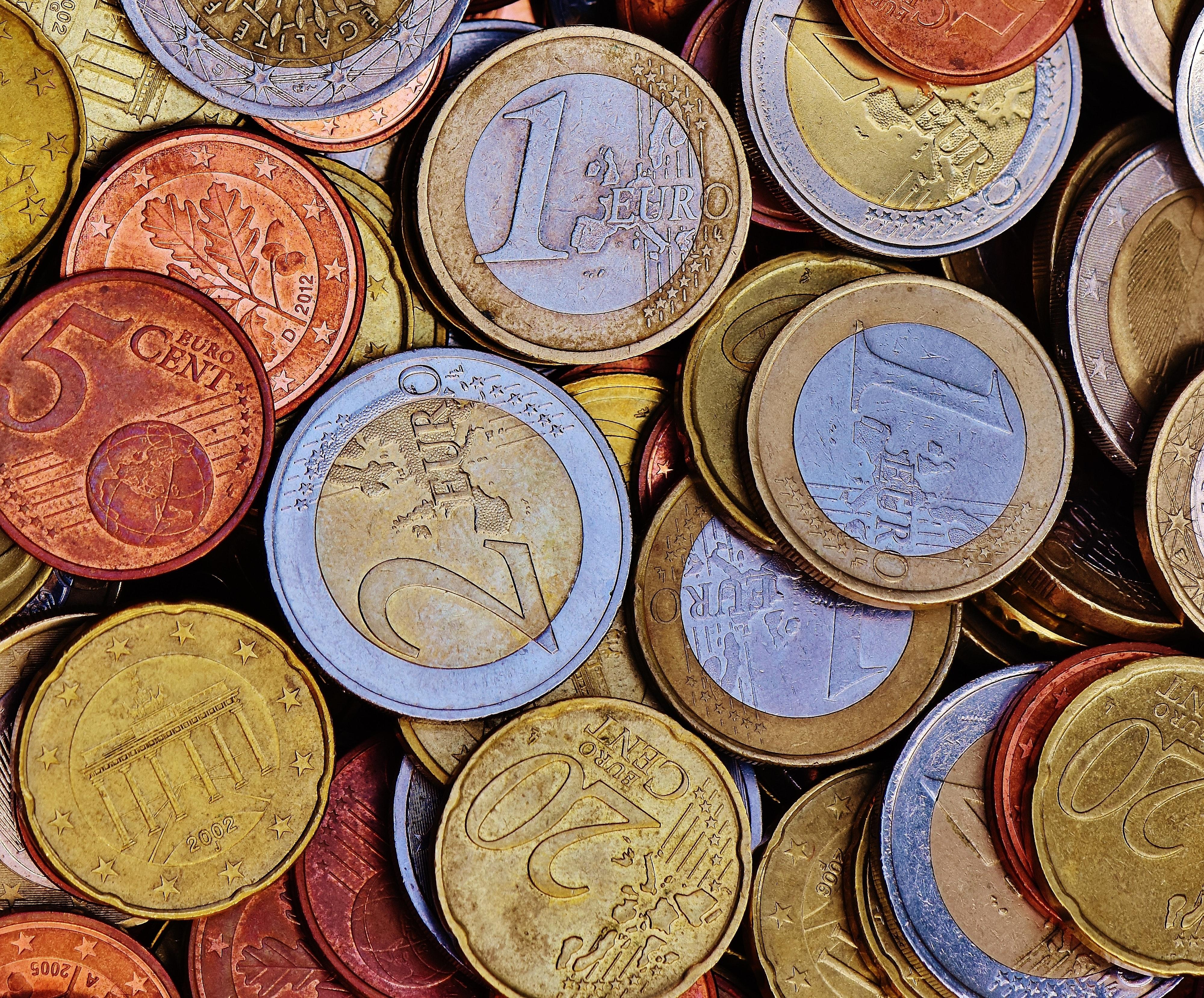 Gold 20 round coins photo
