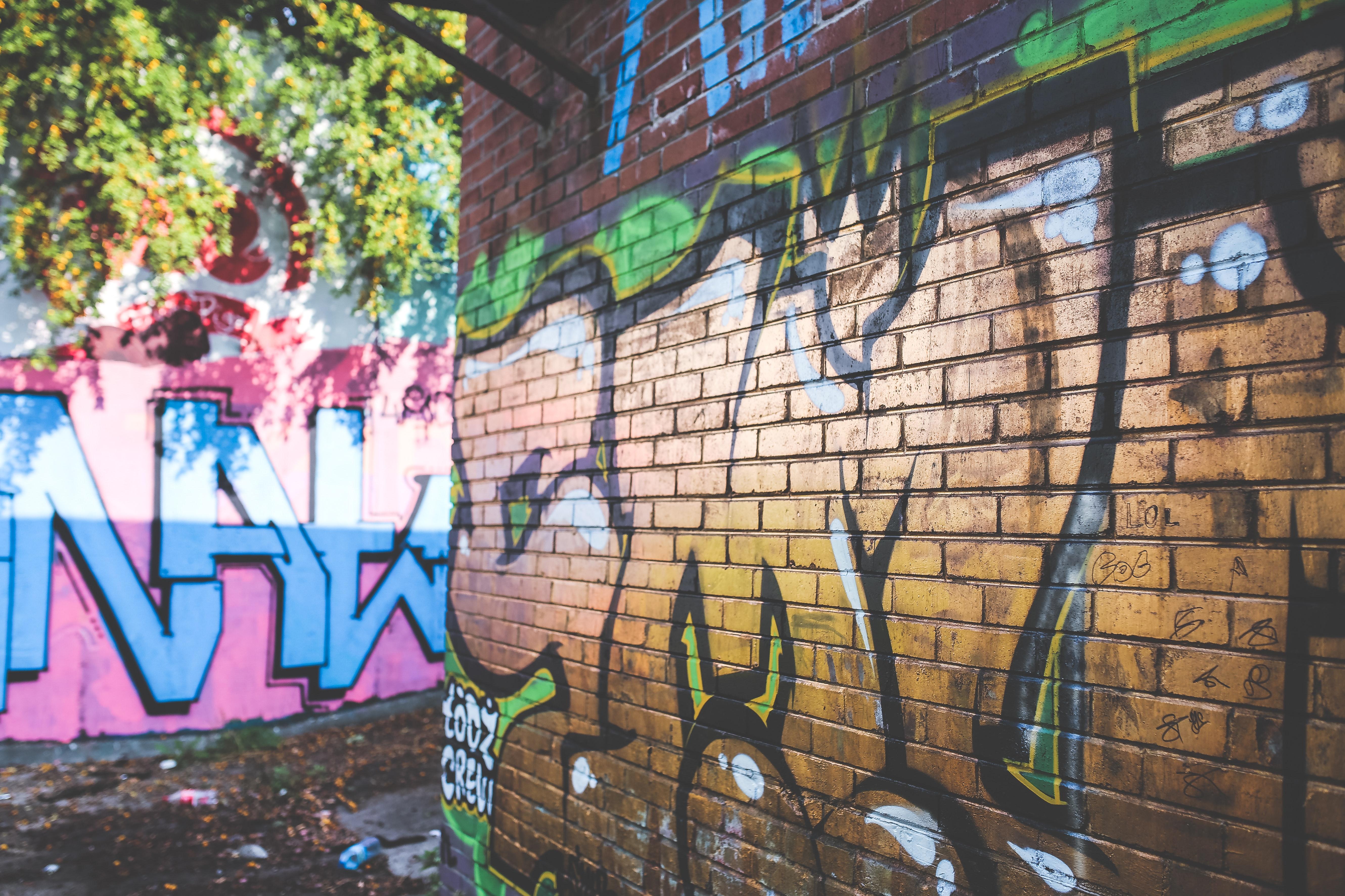 Gold graffiti photo