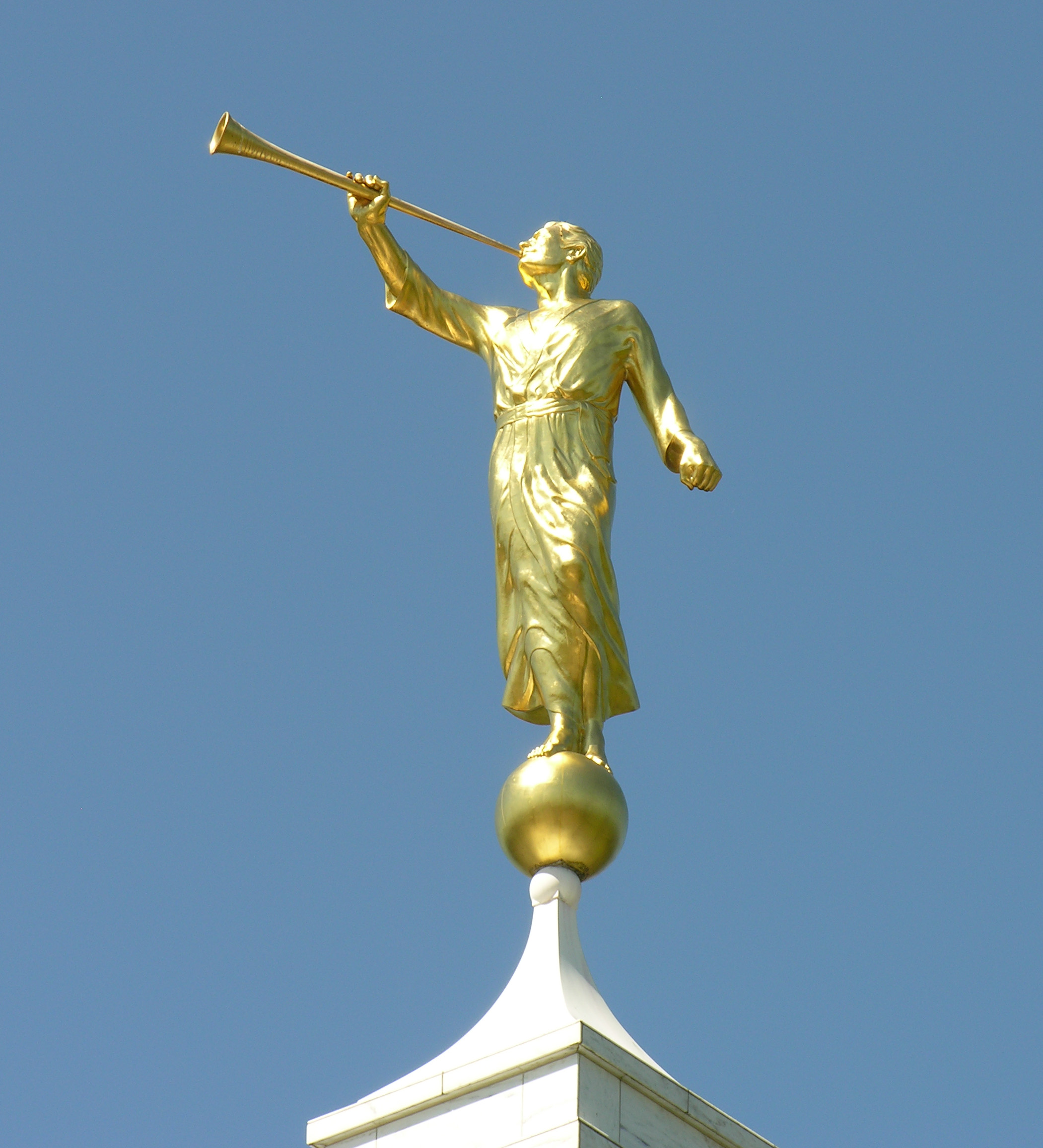 What is the golden statue on the top of most temples? - FairMormon